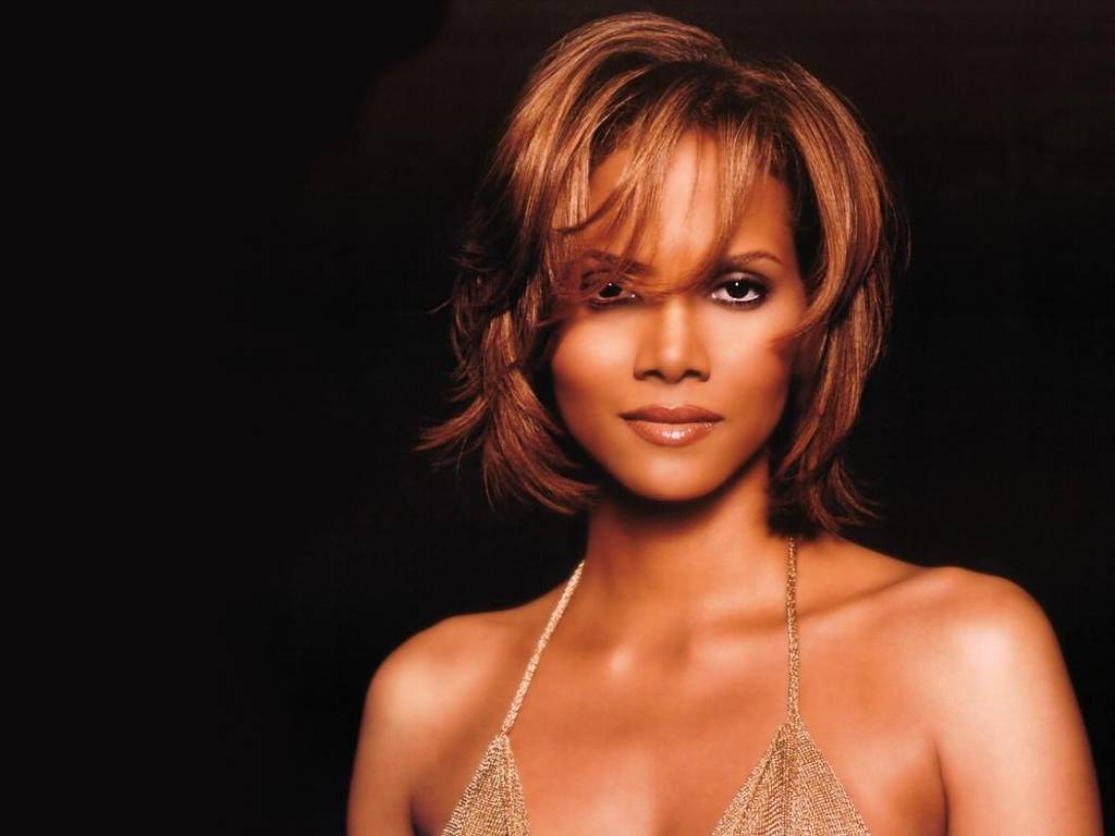 39 Celebrities - Halle Berry