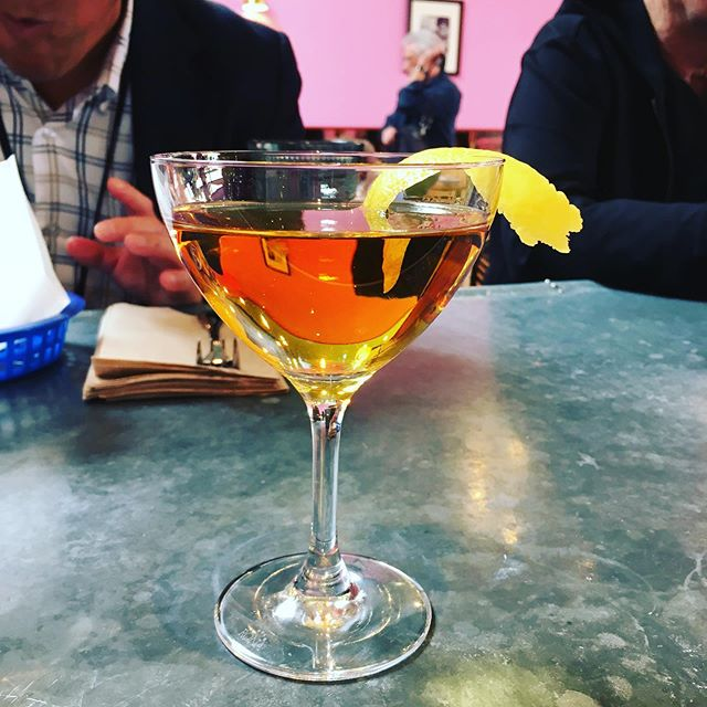 for Negroni Week, come taste our Negroni Locale a lightly colored stirred concoction of @oaklandspirits uptown dry gin, @stgeorgespirits bruto americano bitter, @lofiaperitifs sweet vermouth and housemade hibiscus bitters, served up with a lemon twist  #tacubayataqueria #fourthstreetshops #berkeleybars #negroni #negroniweek #negroniweek2019 #localspirits #gin #housemadebitters #hibiscus #lemontwist