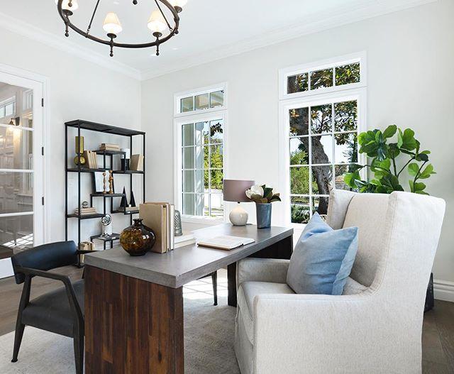 Amazing home office with plenty of natural lighting. • $3,899,999 10049 Toluca Lake Ave. Toluca Lake 5 Beds   7 Baths   5,265 Sqft   9,945 Sqft Lot