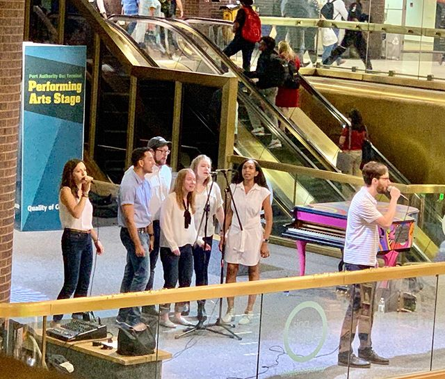 You may have spotted the painted @singforhope pianos throughout NYC. It was so fun performing on their Port Authority stage! . . #reverbnyc #reverb #acappella #acappellagroup #nycacappella #nycmusic #nycmusicians #music #singing