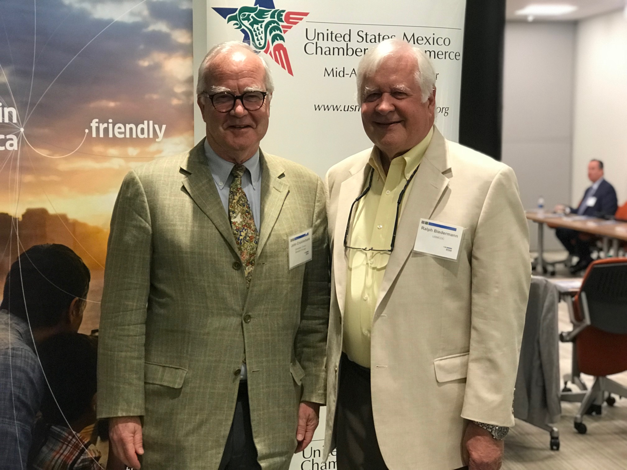 John Cruickshank, Consul General of Canada in Chicago, with Ralph Biedermann, Executive Director of USMCOCMA