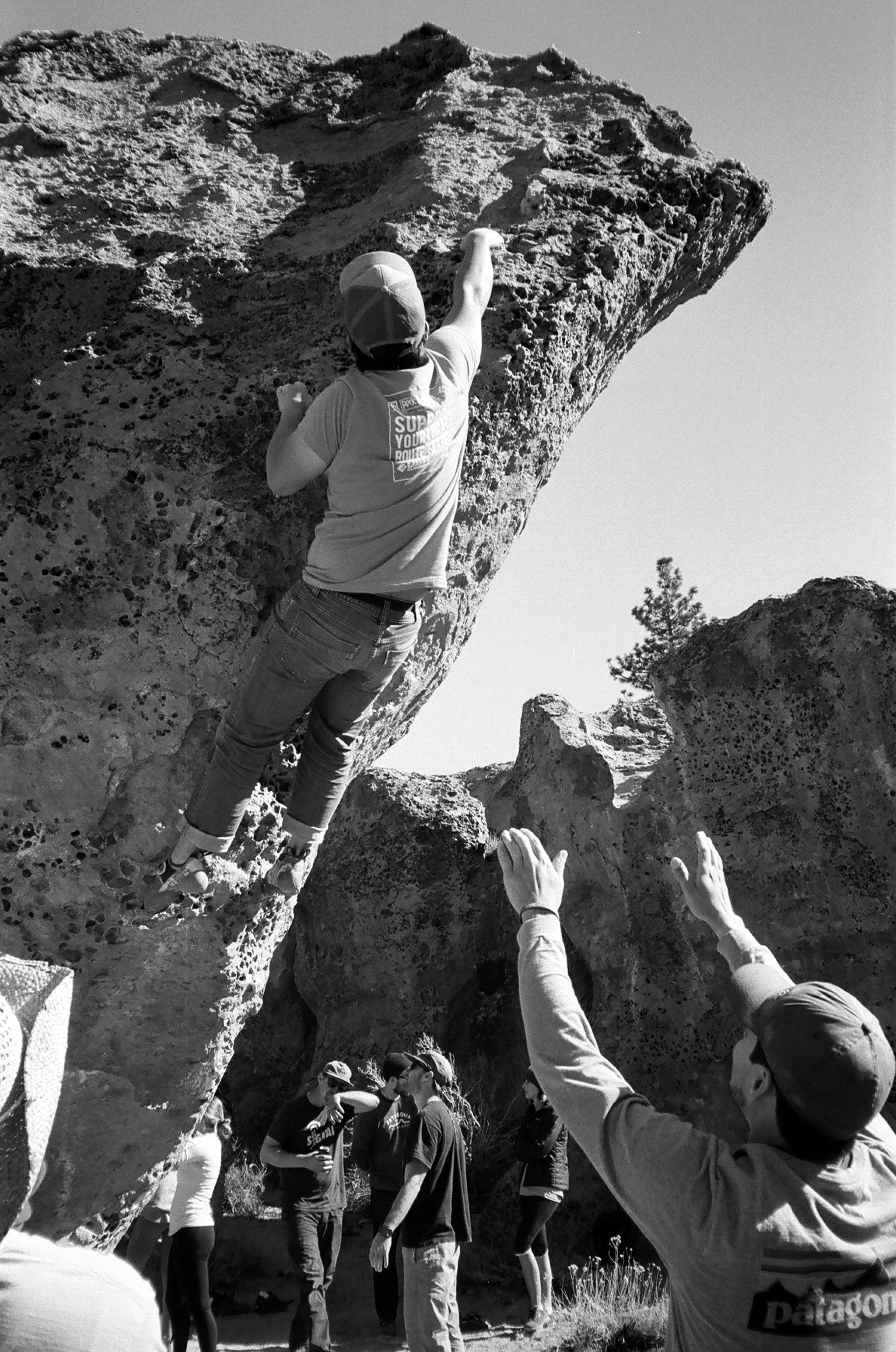 Getting the Crux on a V3 in the Catacombs, Bishop Ca