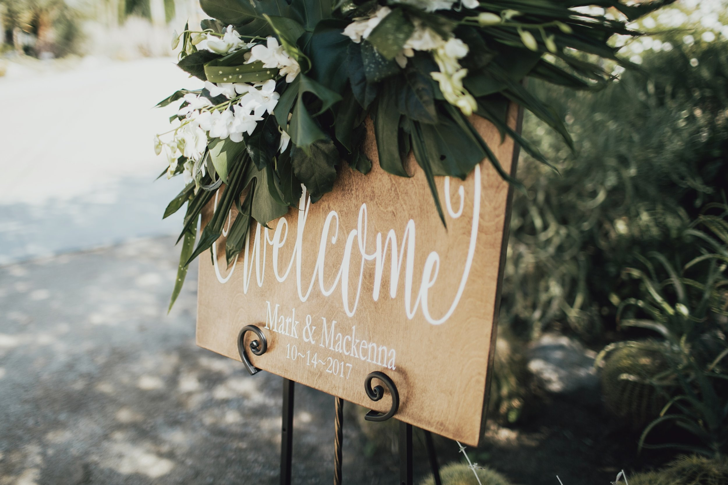 welcome sign to the wedding ceremony