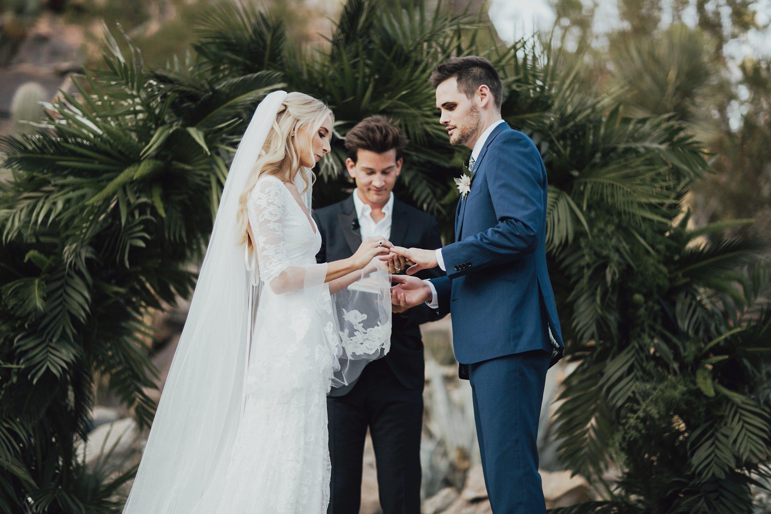 wedding photographer in yosemite
