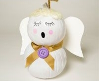 Emily's inspiration from Pinterest - an angel gourd from  christiangamesandcrafts.com .