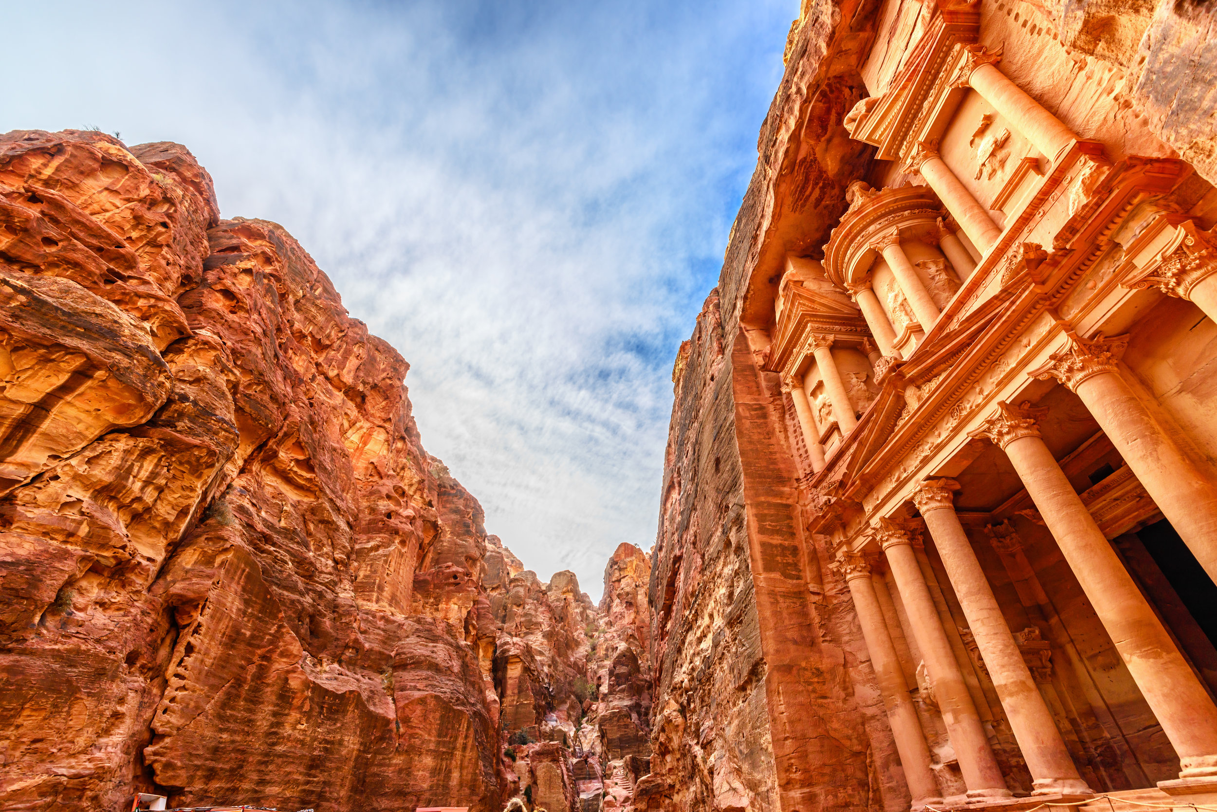Al Khazneh in the ancient Jordanian city of Petra.jpg