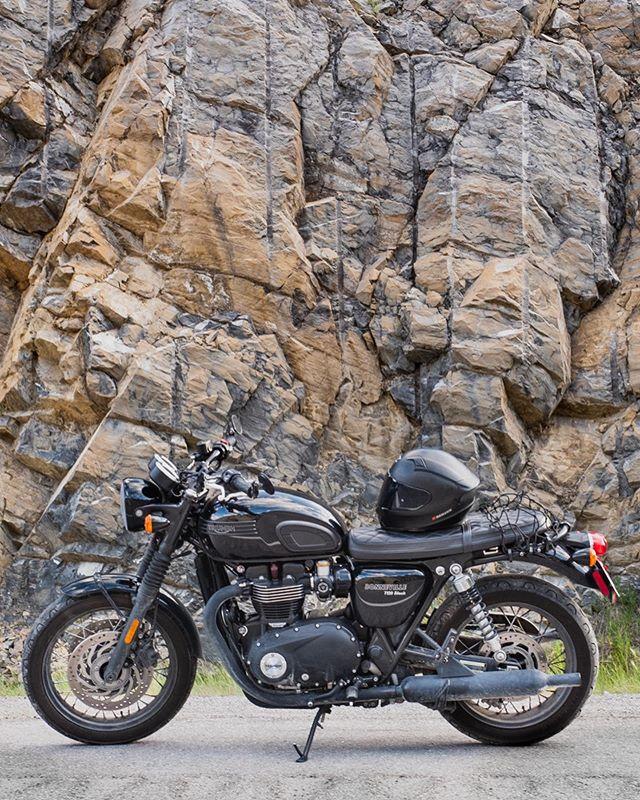 Evening ride in the Rockies... ⠀⠀⠀⠀⠀⠀⠀⠀⠀ ⠀⠀⠀⠀⠀ ⠀⠀⠀⠀⠀⠀⠀⠀⠀ ⠀⠀⠀⠀⠀ #caferacer #motorcycles #triumphbonneville #triumphnation #triumph #bonnevillet120 #caferacerporn #motorcyclesofinstagram #moto #twowheels #canmore #alberta #albertaviews #getoutside #motoadventure #fujixt2 #myfujifilm #fujifeed #wander #travelalberta #beautifulbc #rockies #travelalberta