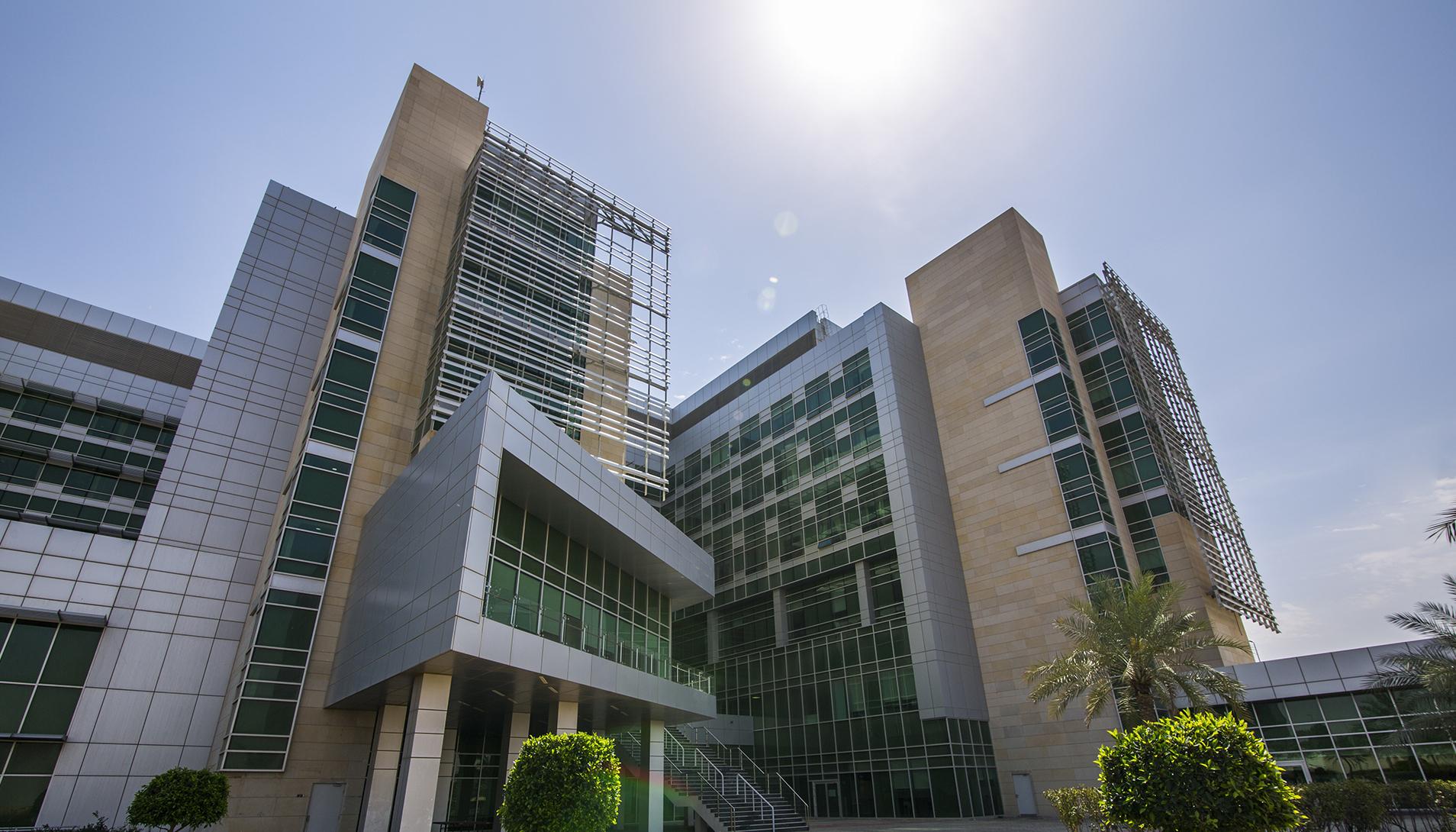 Sheik Khalifa Specialty Hospital Uae Needs Nurses Up To 180 500 Minimum Total Salary Infonurses Com