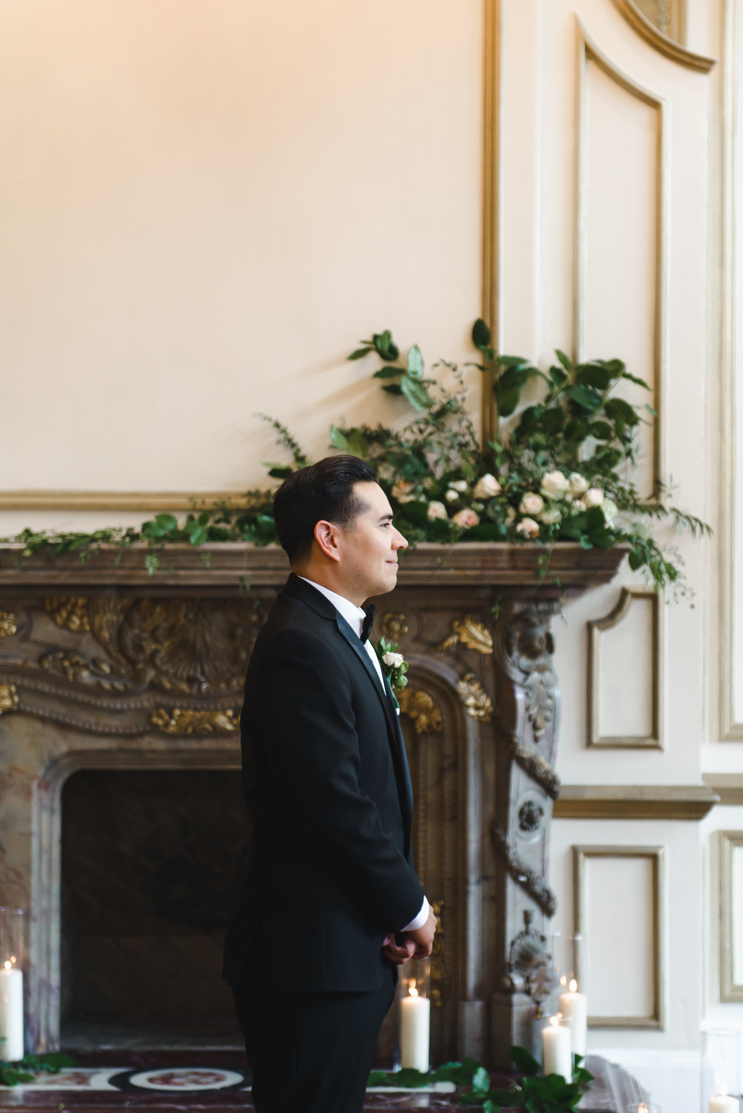 Mantel ceremony florals first look #LRQCfloral.jpg