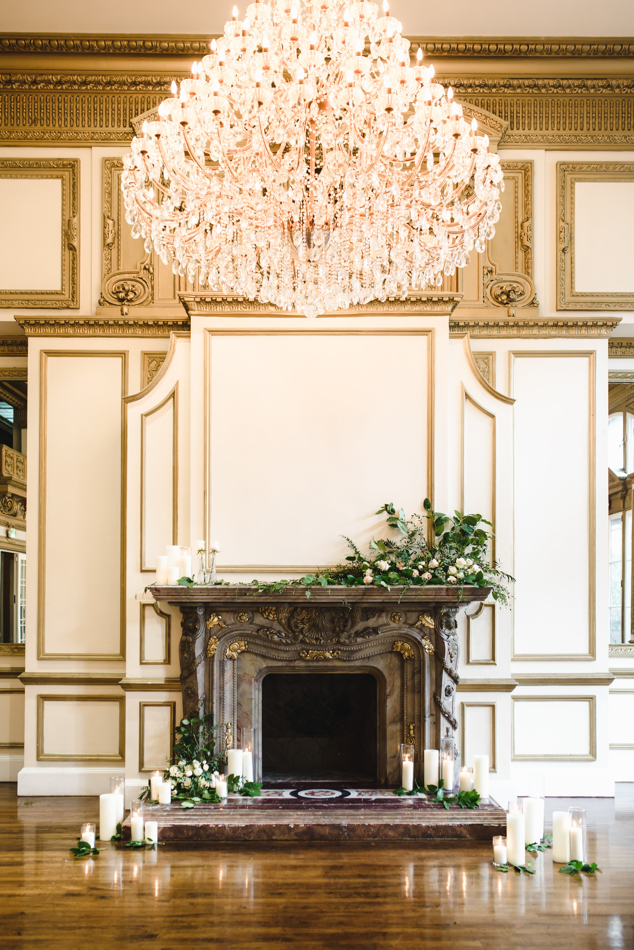 mantel ceremony florals in downtown los angeles #lrqcfloral #dtlawedding .jpg