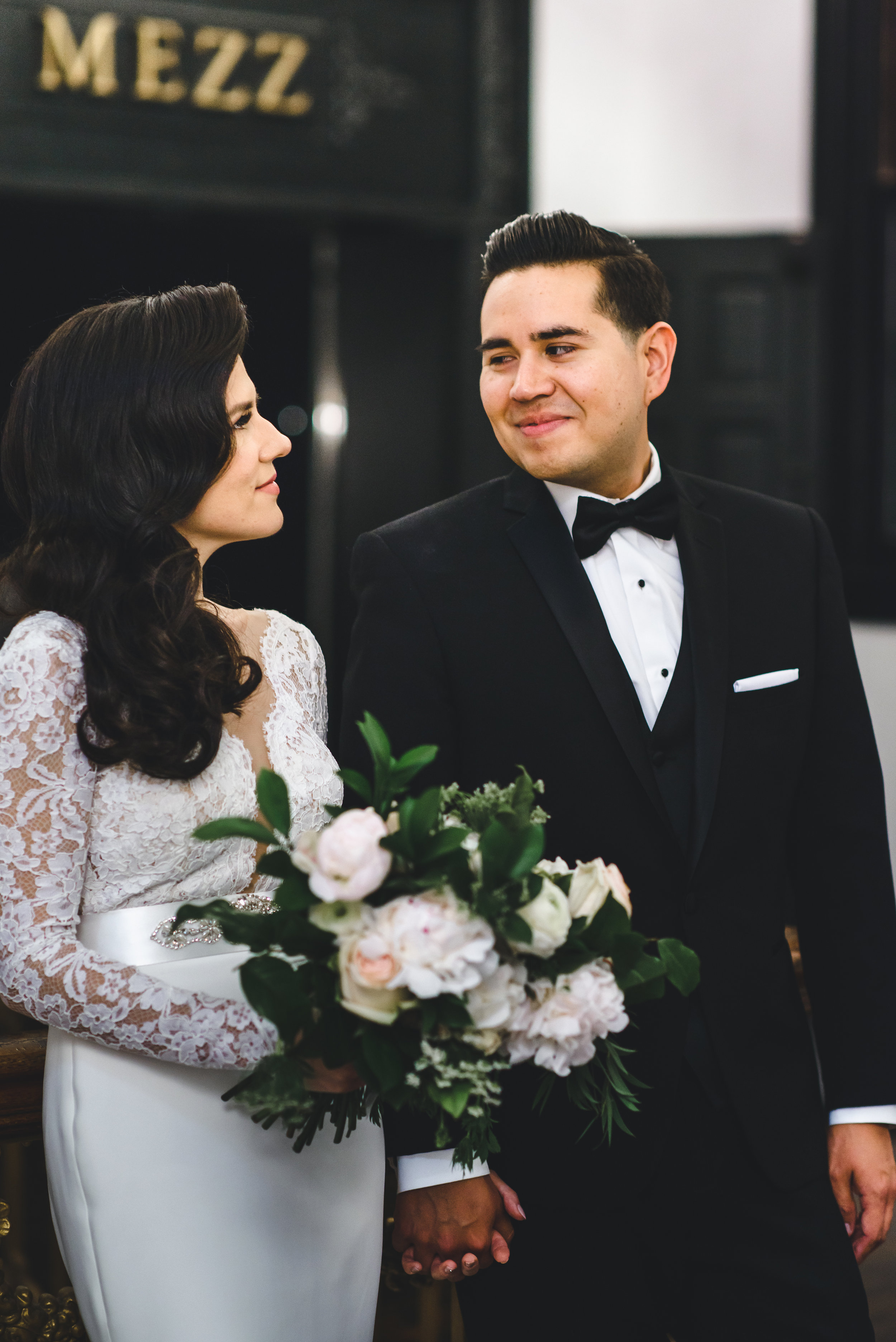 old hollywood theme wedding with blush florals in downtown la #lrqcfloral #dtla .jpg
