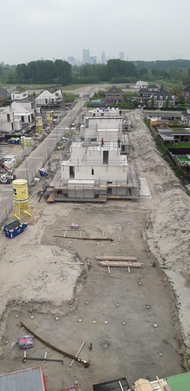 Bwnr. 3 en 4 (fase 2) heipalen aangebracht en bwnr. 5 en 7 (fase 1) werkzaamheden dakvloer