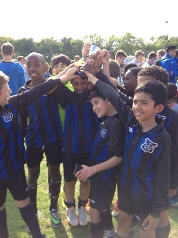 U11 Lions after beating Cassiobury Rangers 3-0 to win WFL Spring Cup Final in 2013