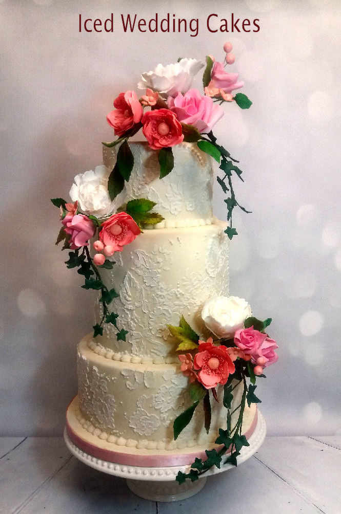 iced wedding cake-2.jpg