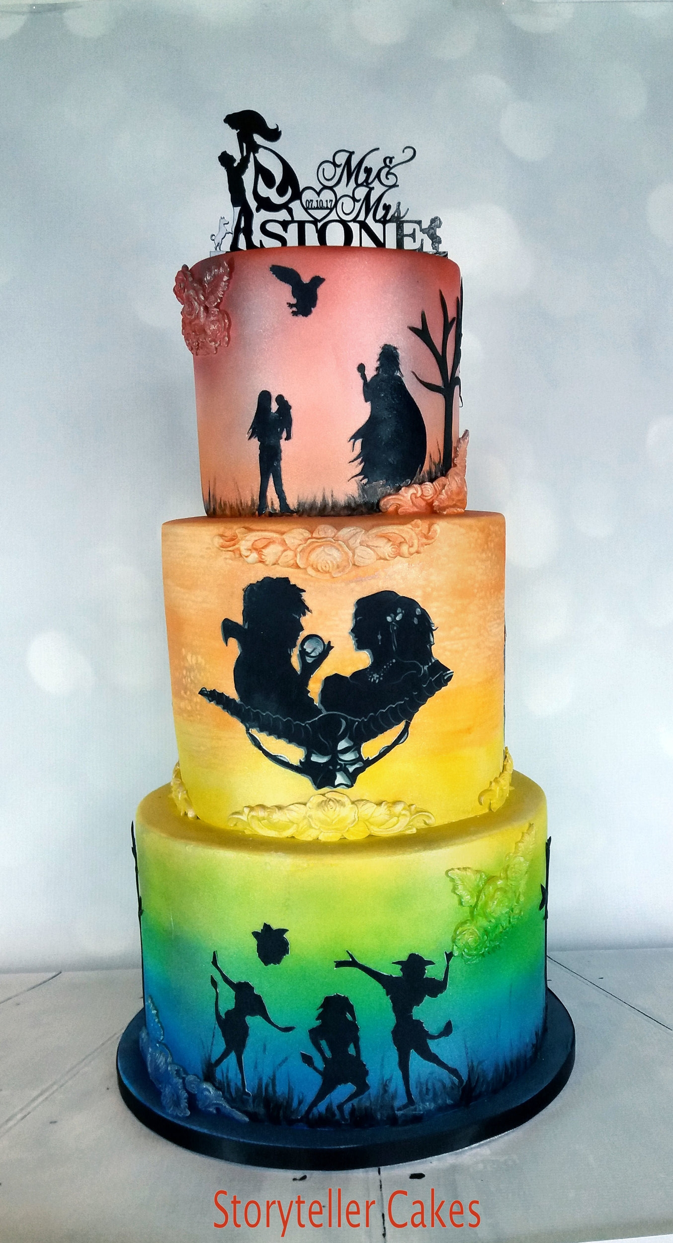 Labyrinth Sillhouette Wedding Cake1-2.jpg