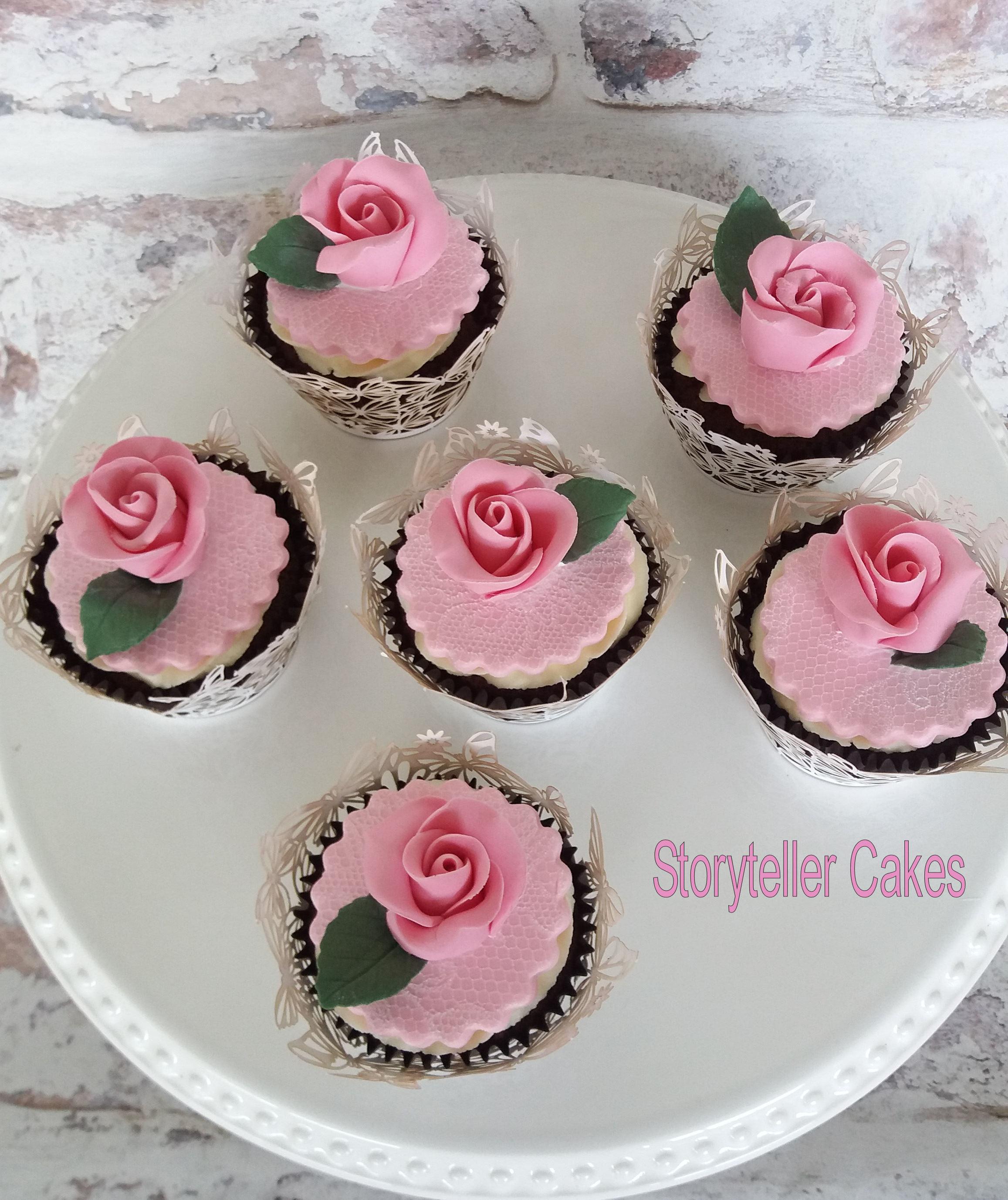 rose cupcakes3.jpg