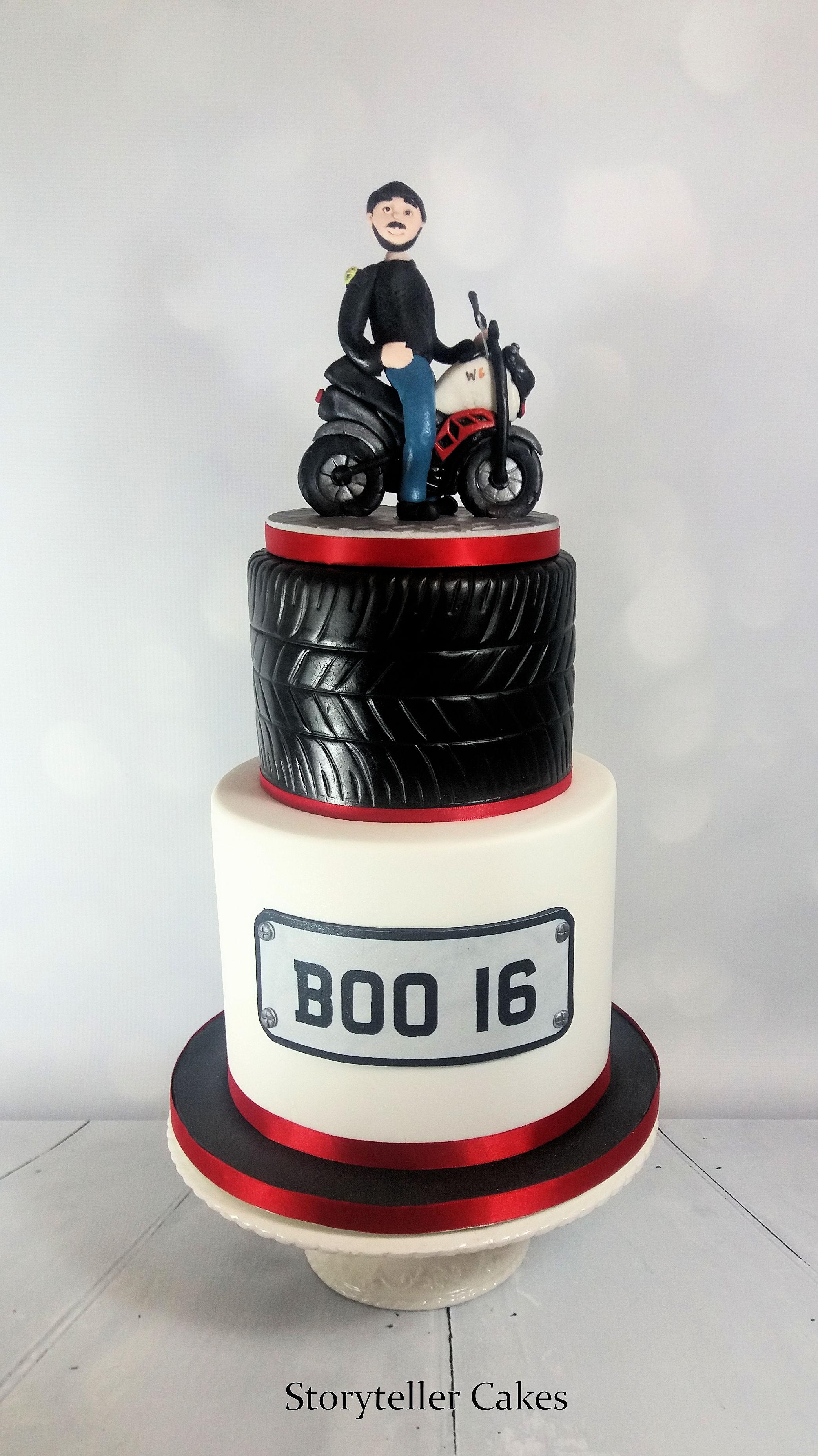 motorbike birthday cake 2.jpg