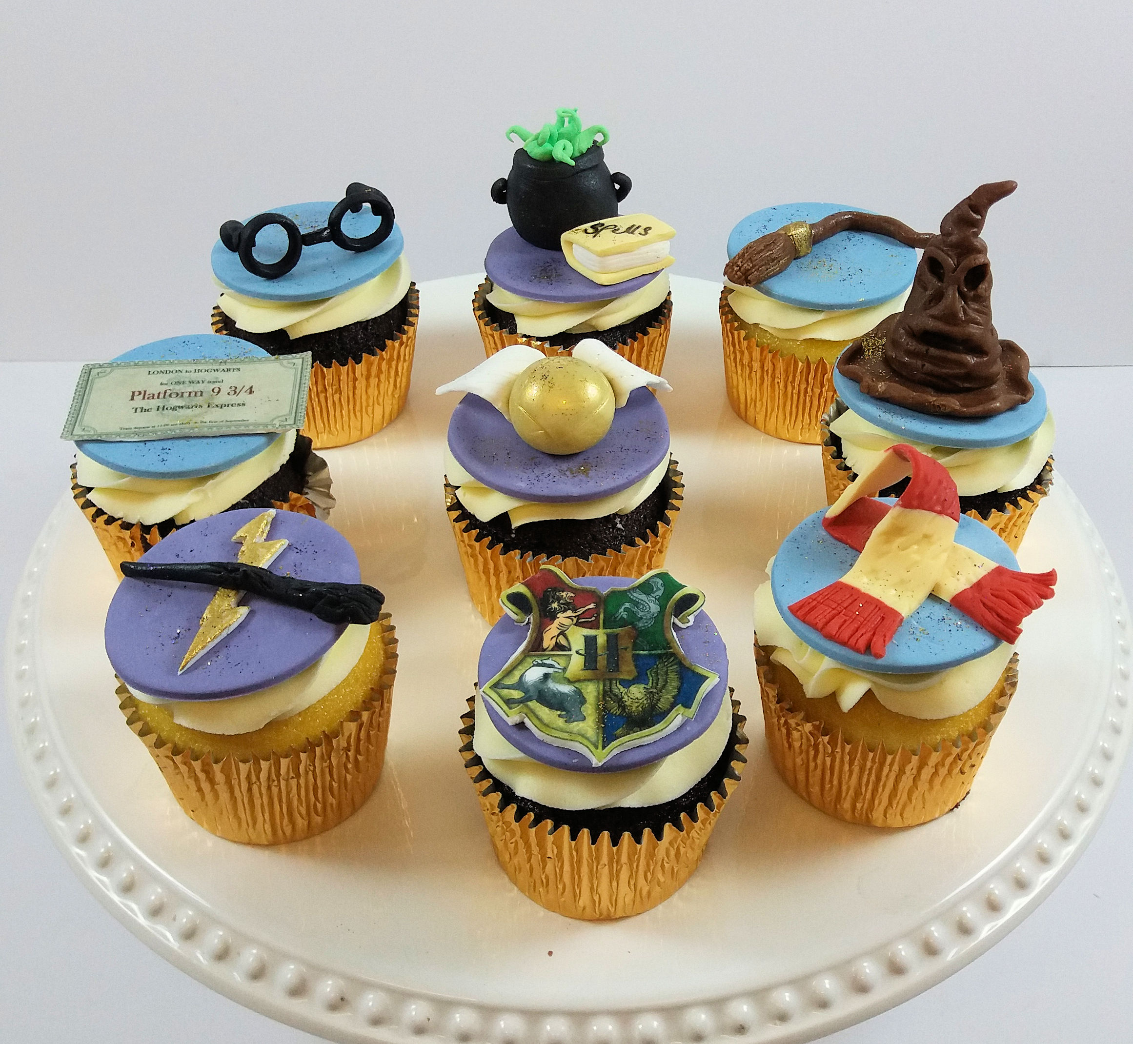 harry potter cupcakes.jpg