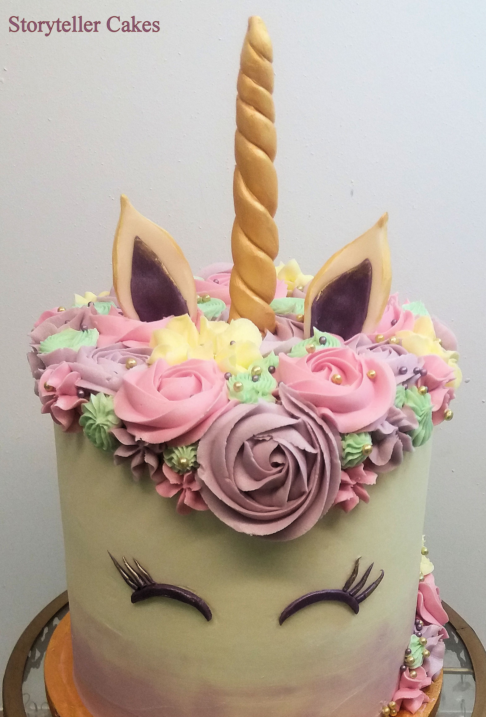Unicorn Buttercream Cake4.jpg