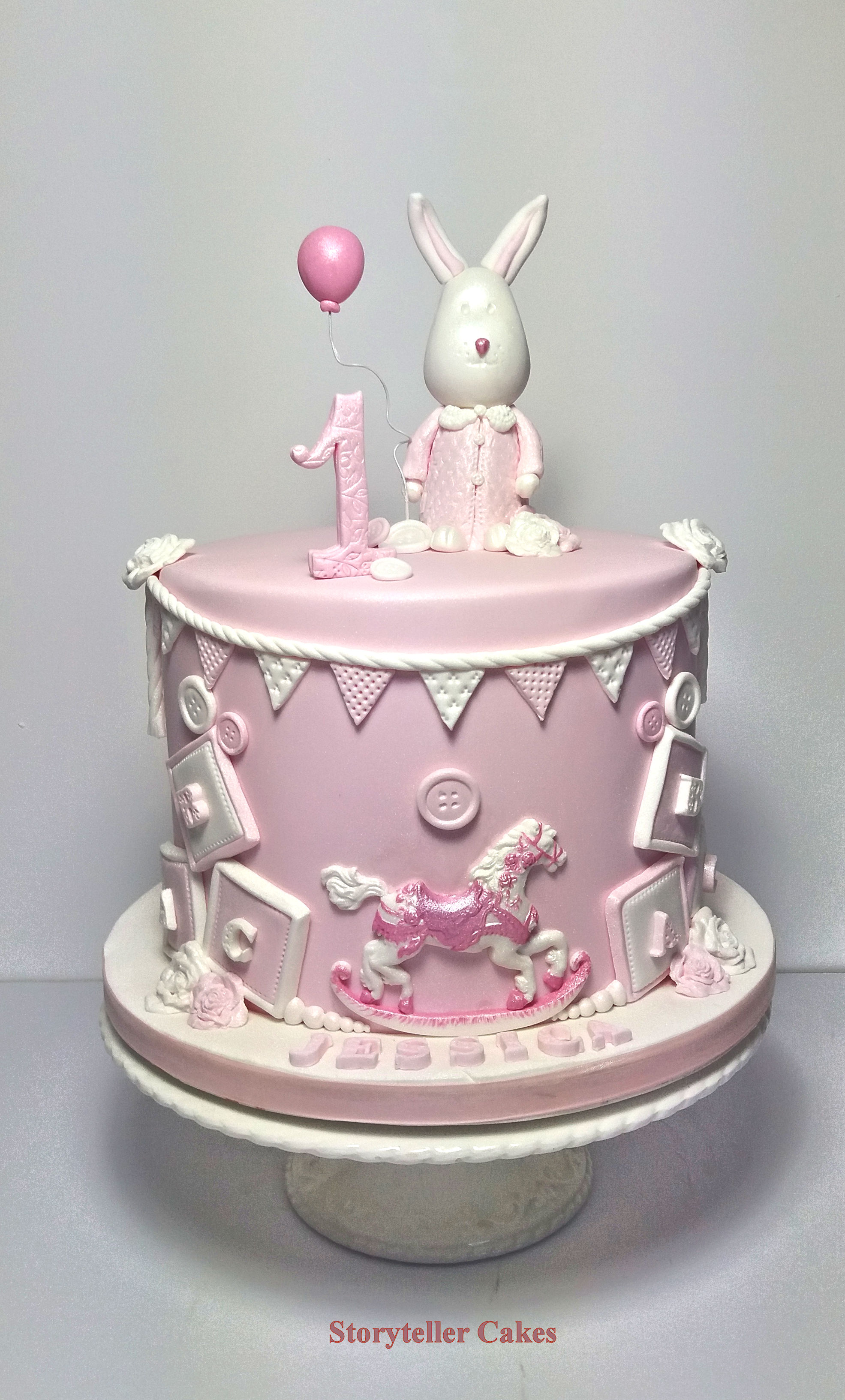 Girls 1st Birthday Cake 5.jpg