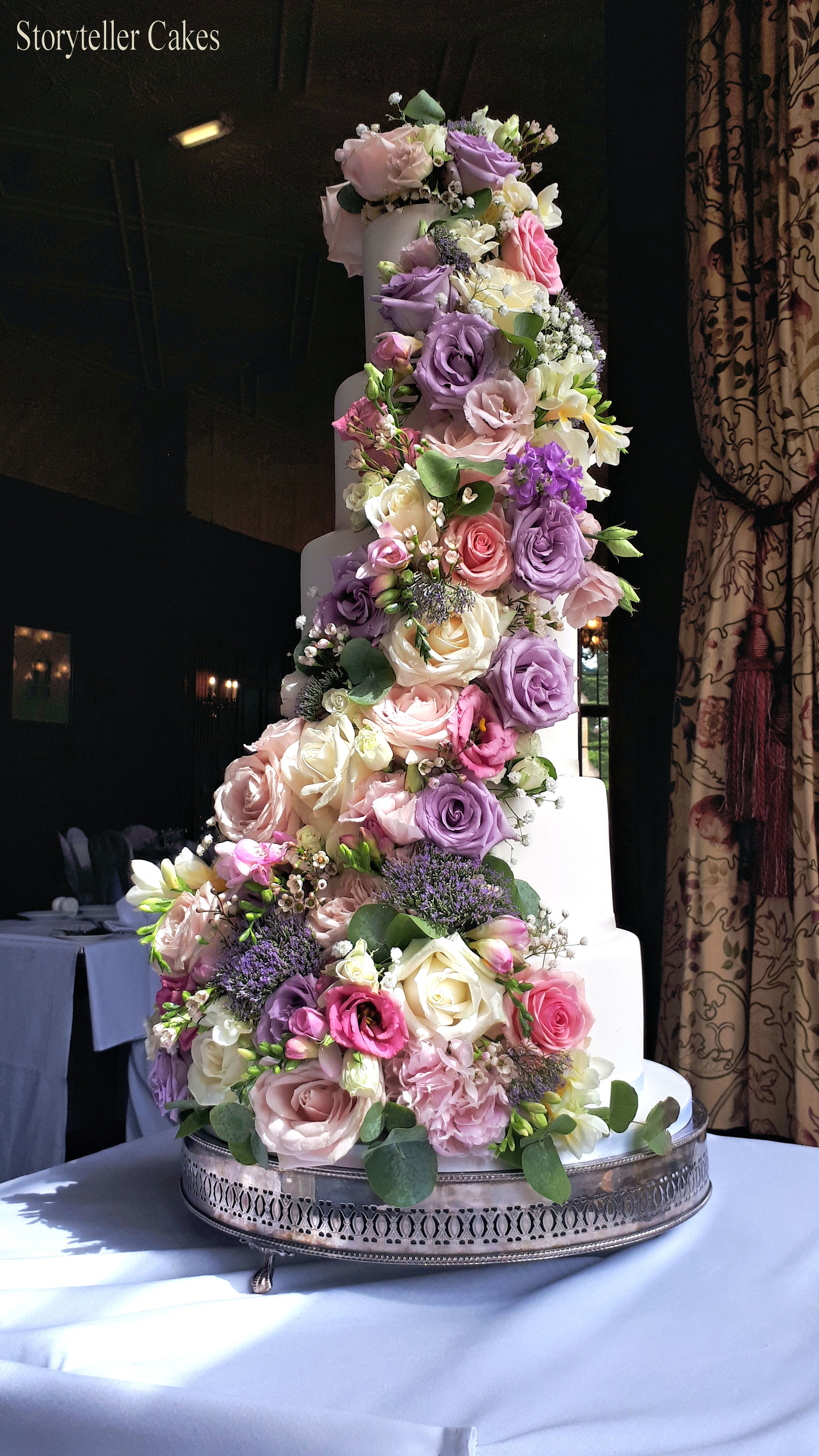 Beautiful Fresh Flower Vintage Wedding Cake 3.jpg