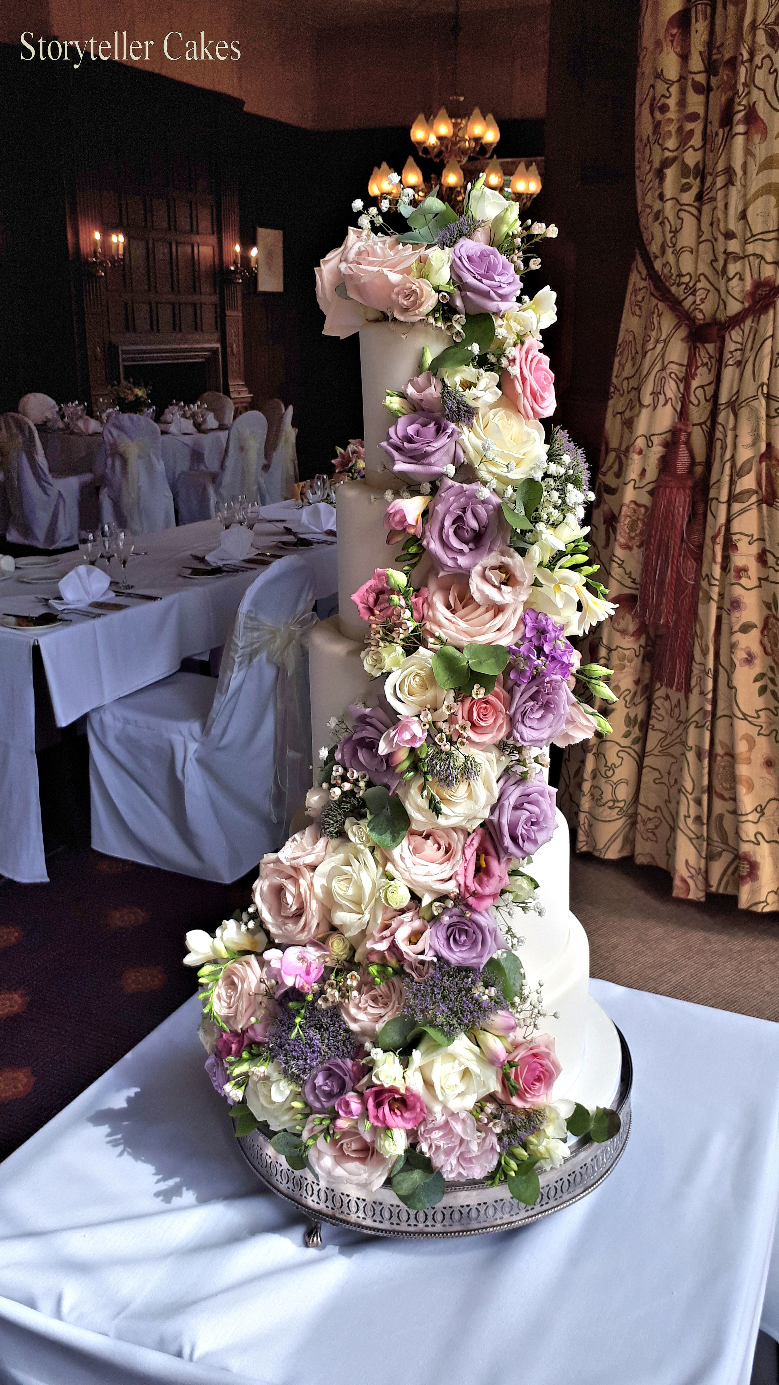 Beautiful Fresh Flower Vintage Wedding Cake 6.jpg