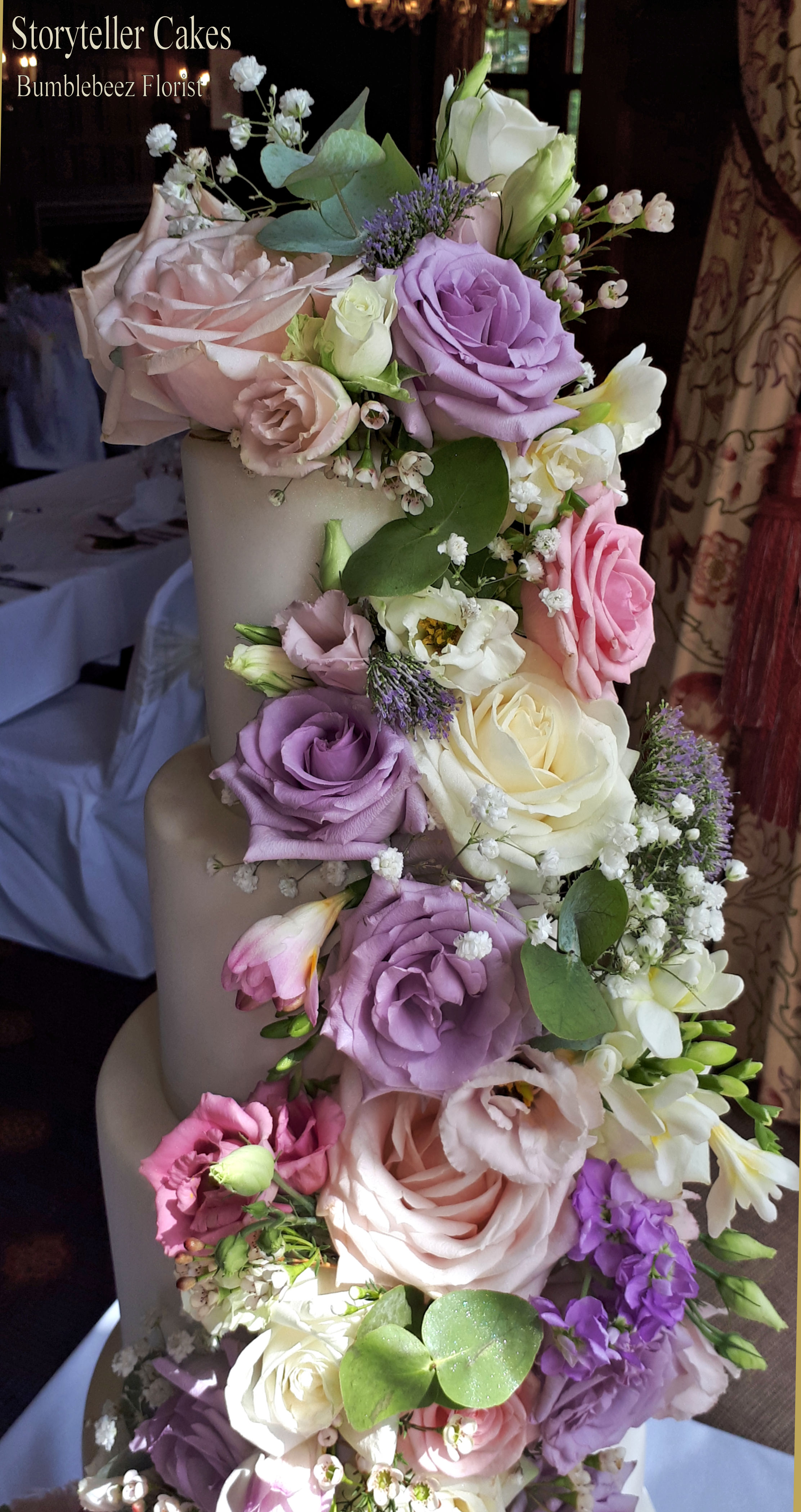 Beautiful Fresh Flower Vintage Wedding Cake 13.jpg