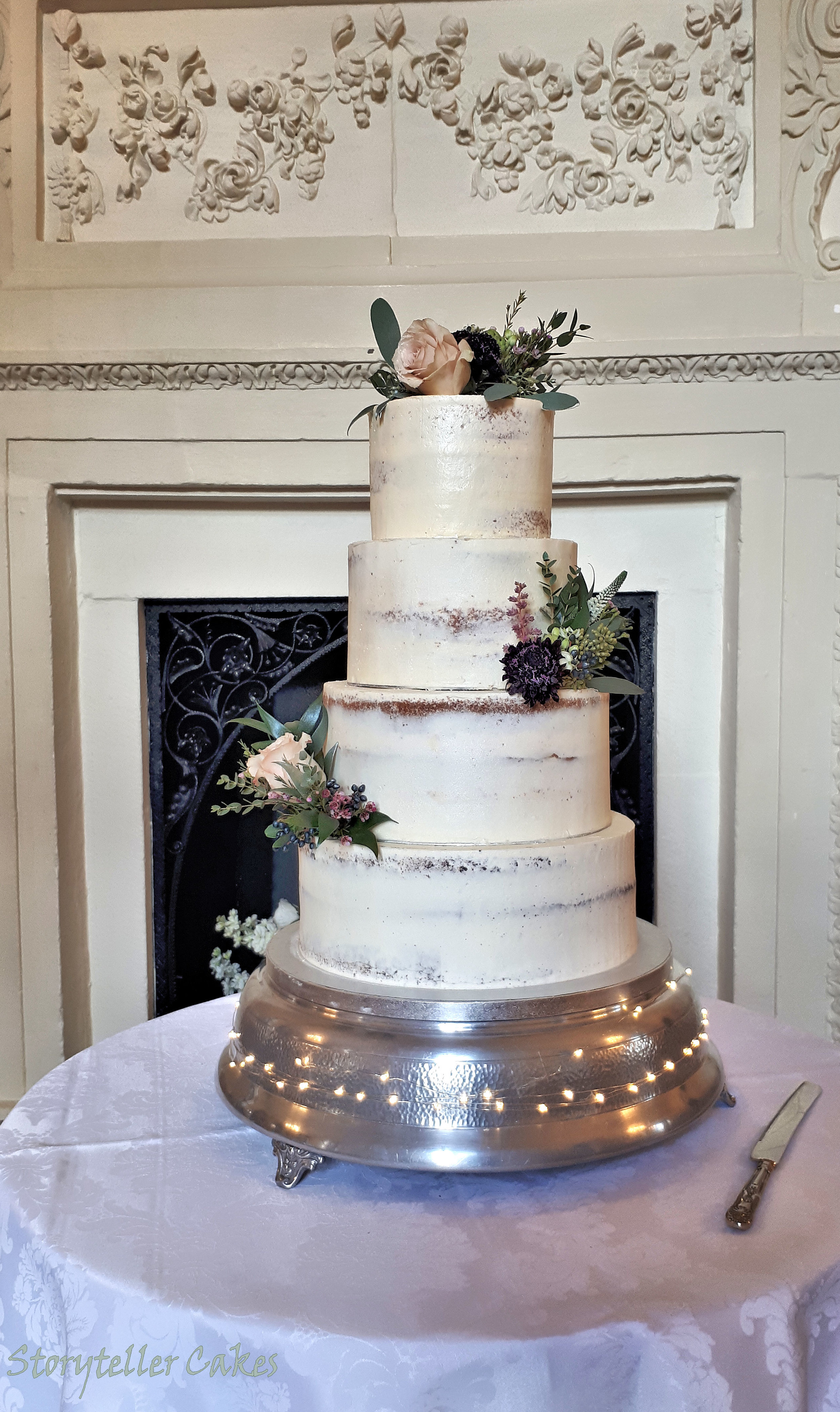 Semi Naked Wedding Cake3.jpg