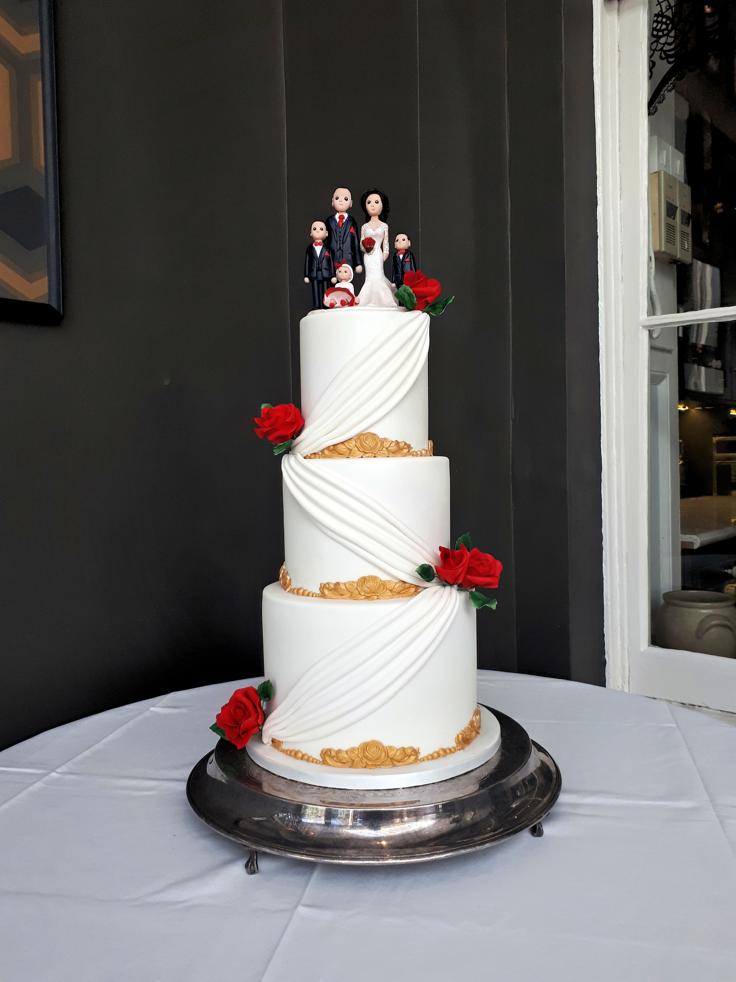 Grecian White & Gold Wedding Cake 1.jpg