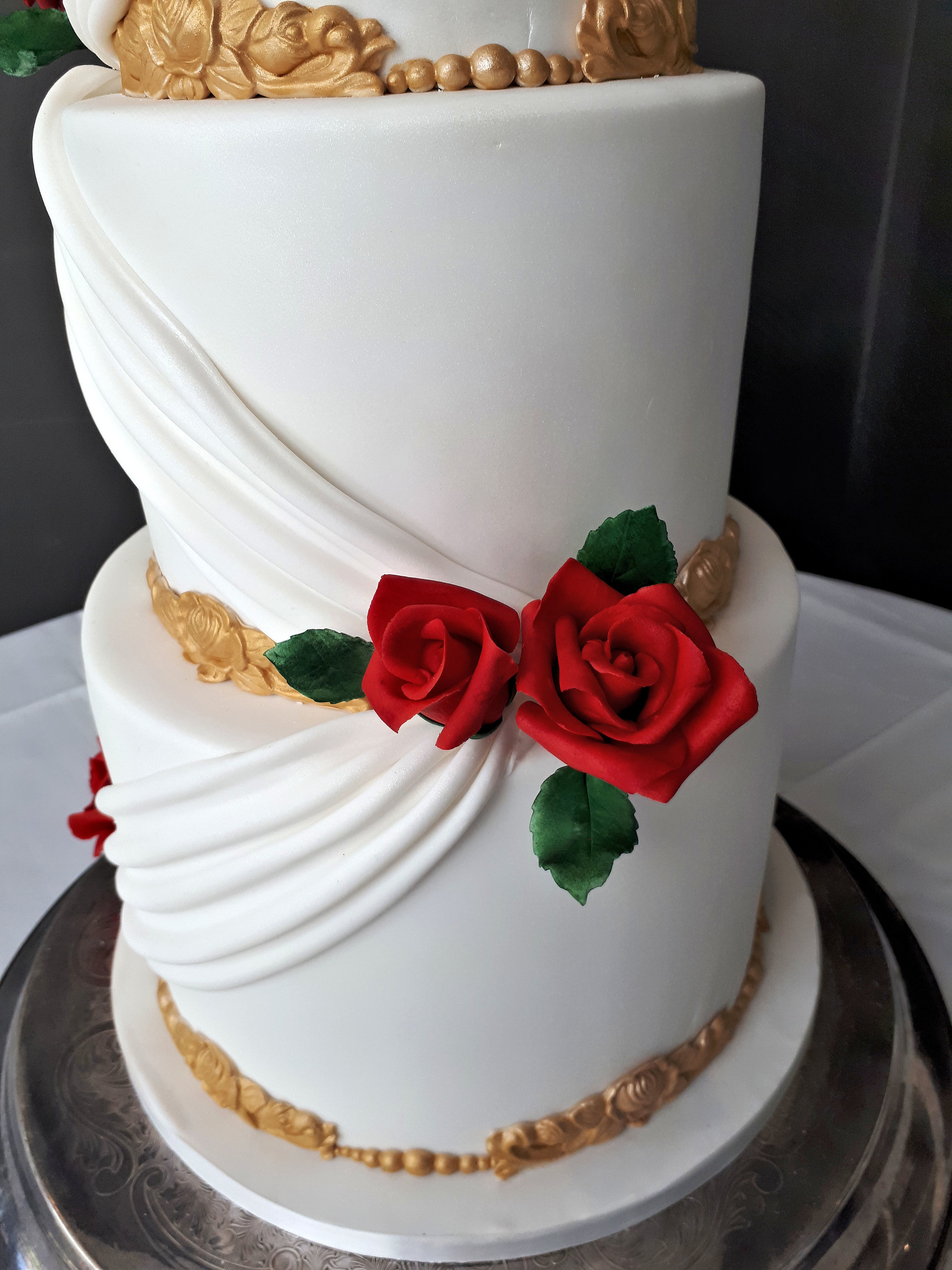 Grecian White & Gold Wedding Cake 3.jpg