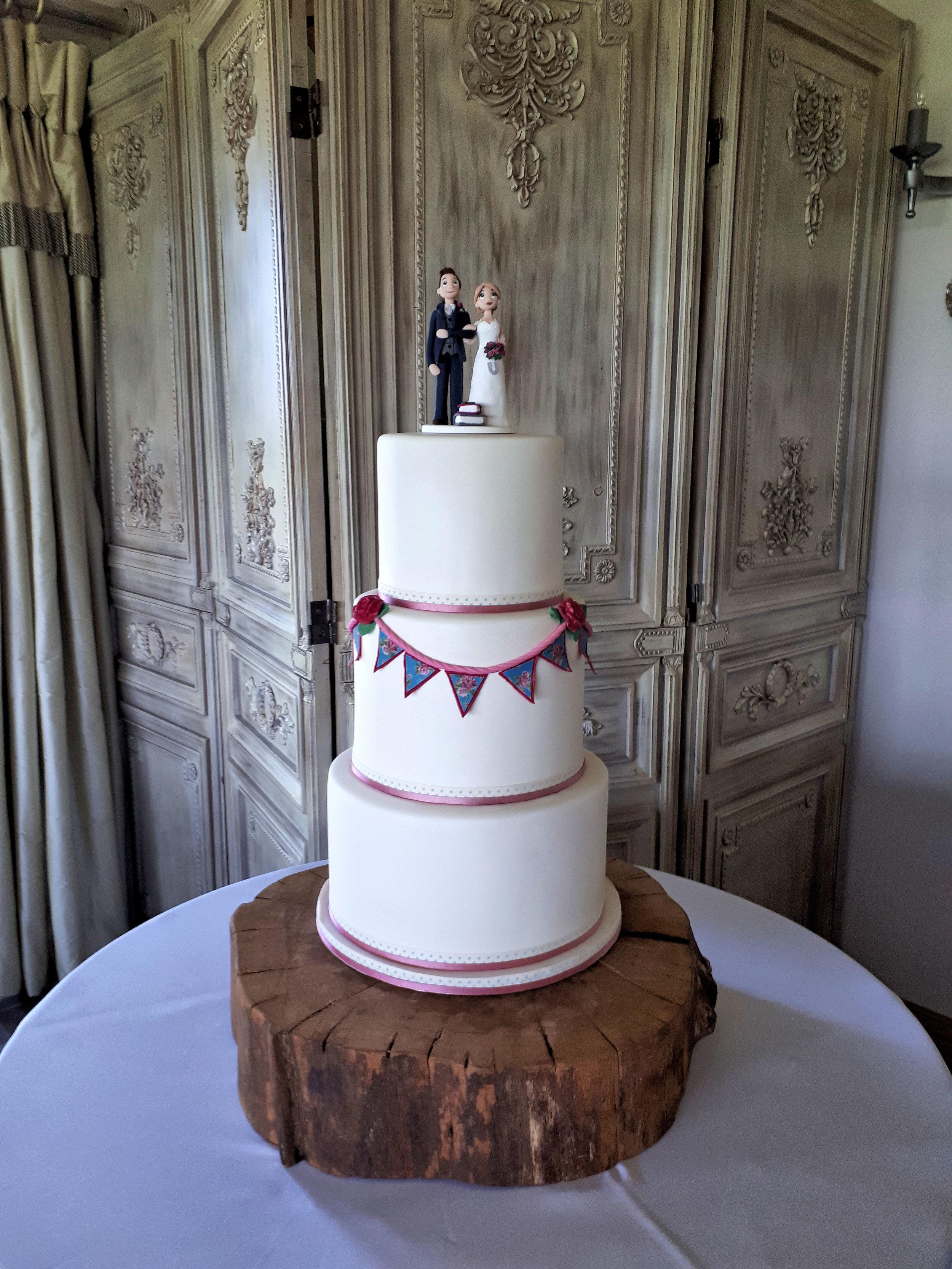 Bunting Wedding Cake.jpg