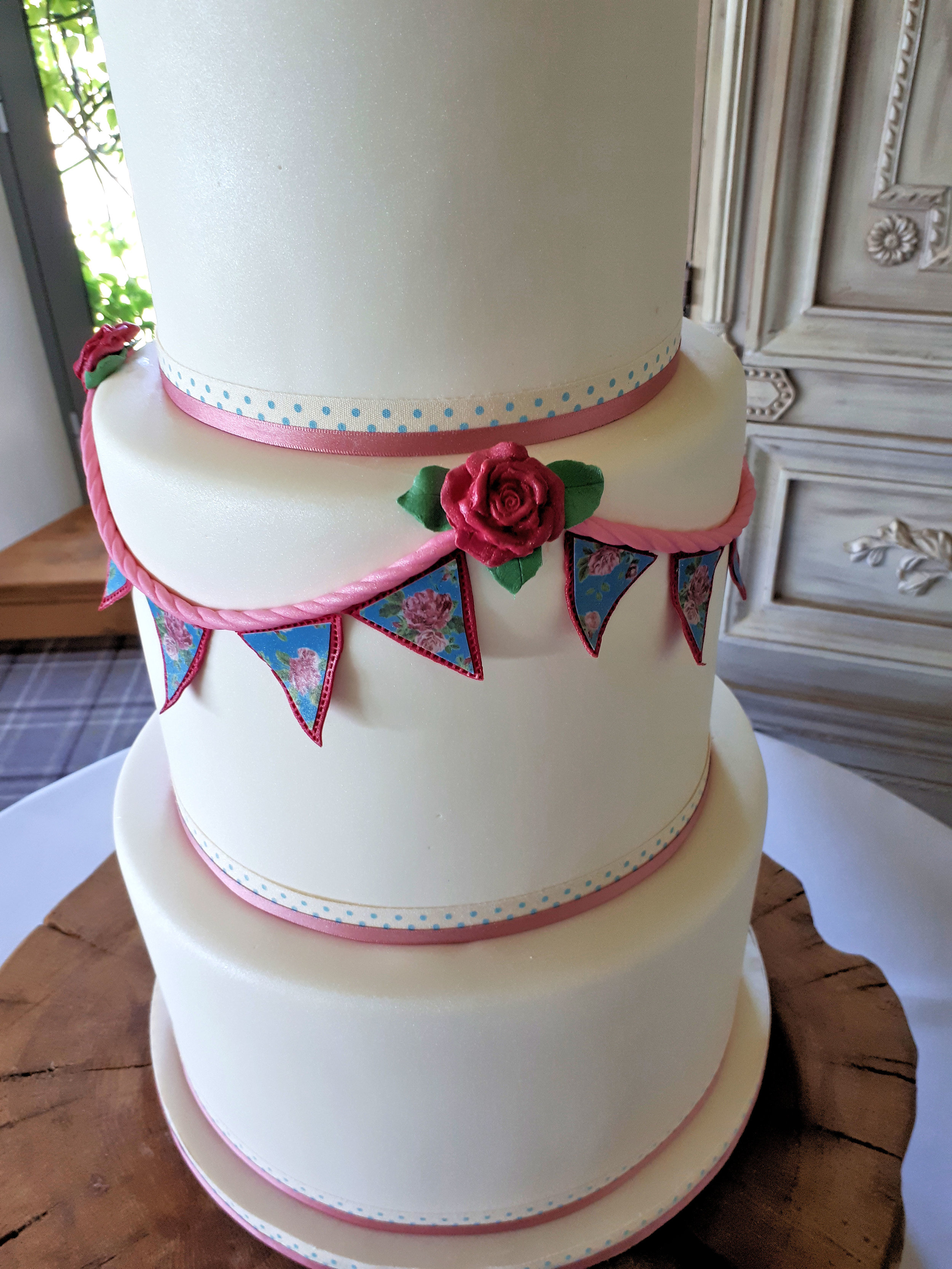 Bunting Wedding Cake2.jpg