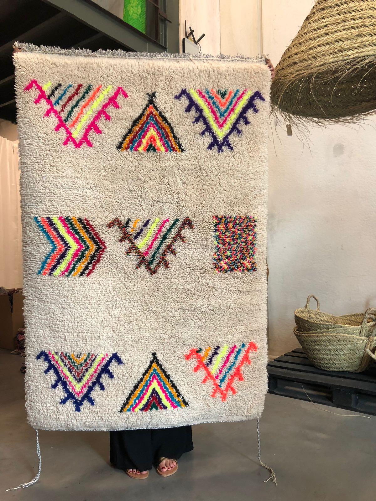 Wollen tapijt - De maat van dit tapijt is 110 x 150 en de kosten voor dit kleed zijn 495,-