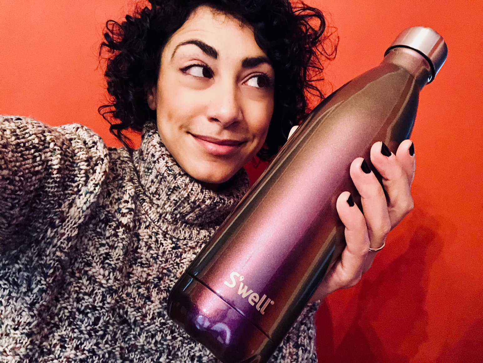 Shana_w_SwellBottle_IMG_0573.jpg