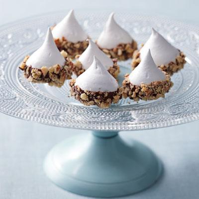 54f8d3389f9c0_-_chocolate-almond-meringues-recipe-ghk1211-xl.jpg