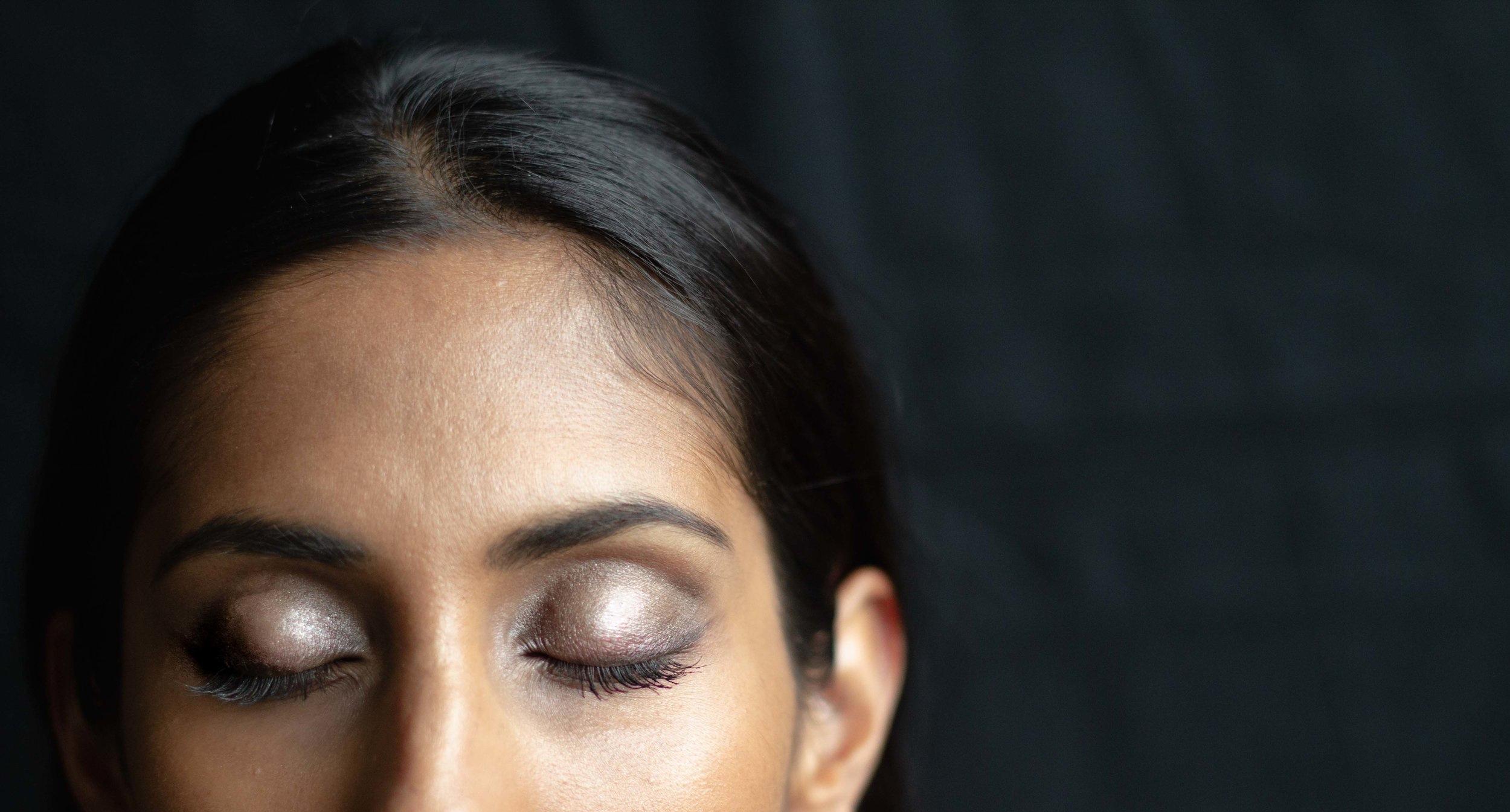 Spring-Beauty-Sparkling-Eyeshadow-Look-Closeup.jpg