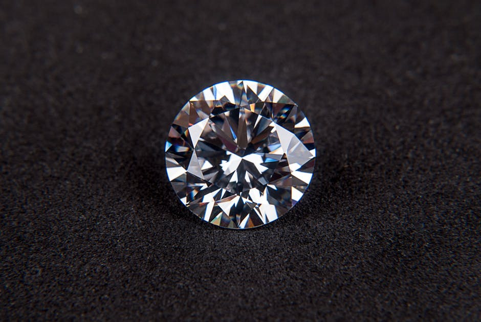 Kering-BACKGROUNDdiamond-gem-cubic-zirconia-jewel-68740.jpeg