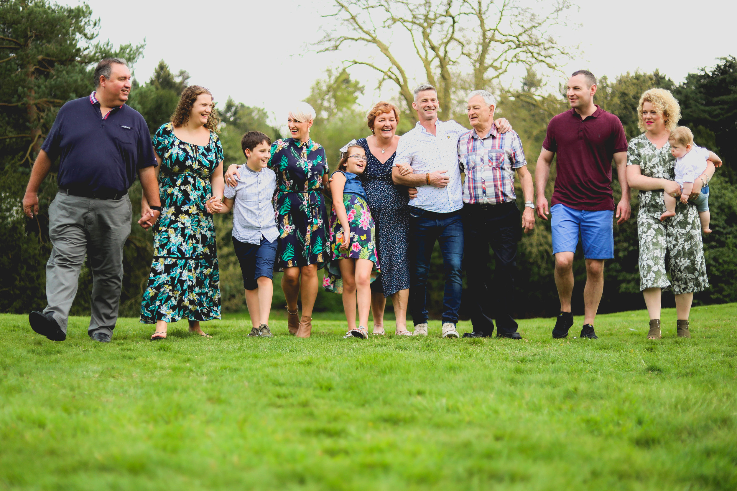 FAMILY & GROUP PHOTOGRAPHY