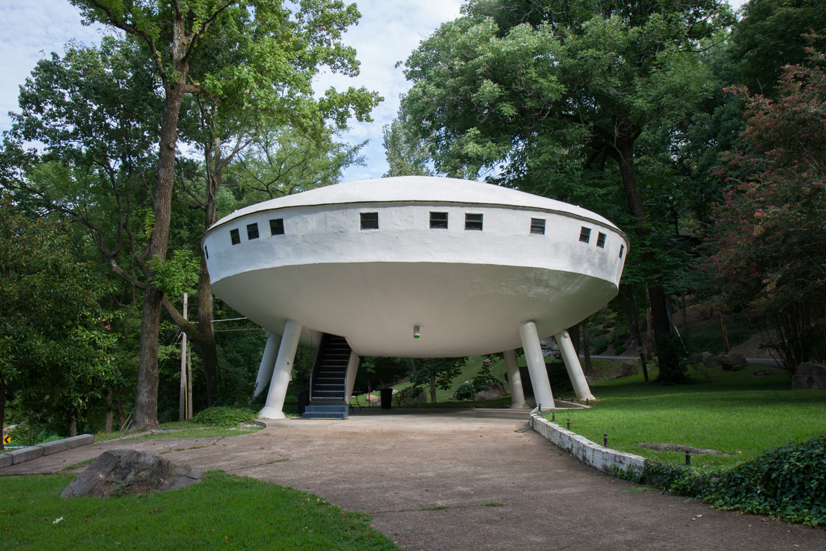 Flying Saucer House - Signal Mountain, Tennessee - 2009