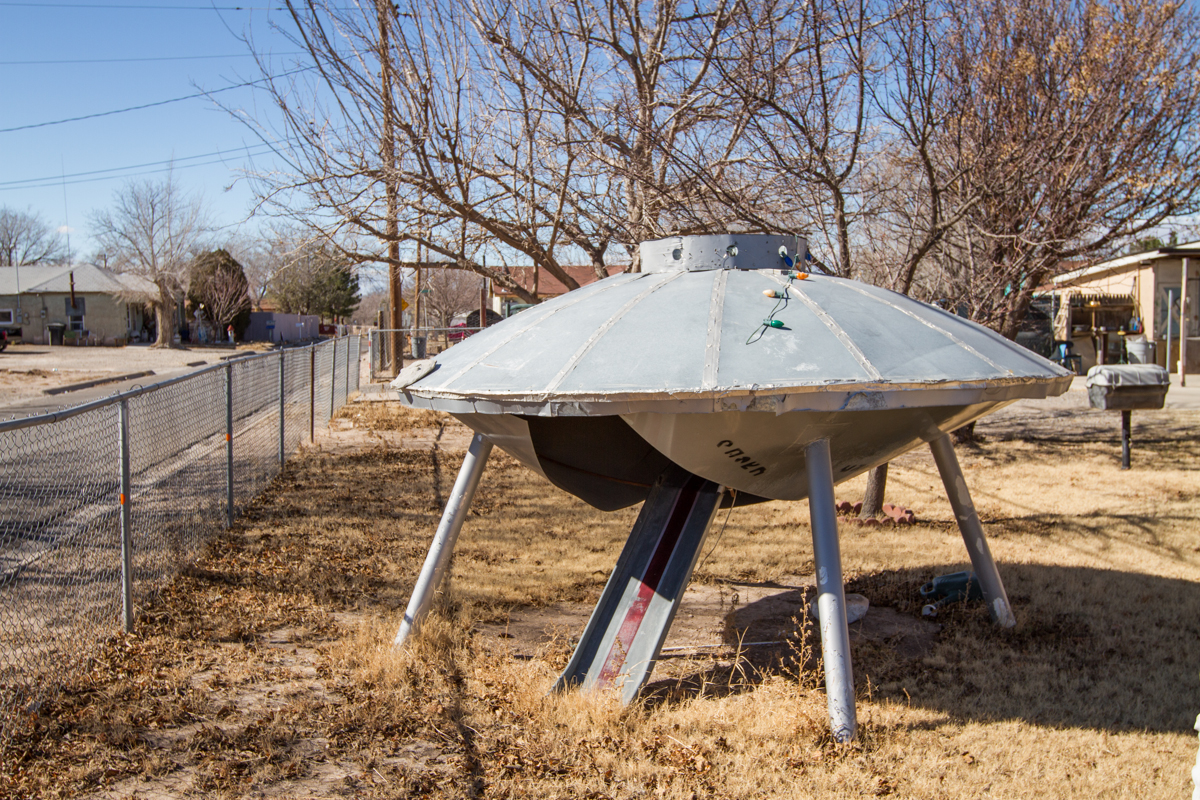 Flying Saucer Yard Art Doghouse - Roswell, New Mexico - 2013
