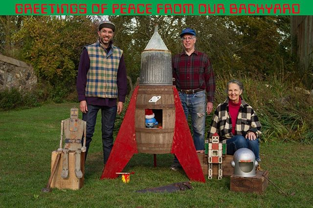 🌌🤖👽👨‍🚀👨‍🚀👩‍🚀🔨🔧🌎✌️🚀🎄📡🌌SEASONS GREETINGS PEOPLE OF THE EARTH