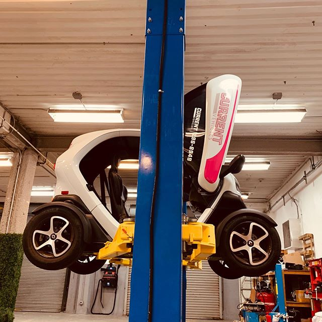 Up up and away! • Did you know that our Twizy's come in for regular check ups to make sure they always operate at their best? • Find the best that Bermuda has to offer using our app: Current Vehicles - Bermuda in the iOS App Store now. . . . . . #movedbycurrent #bermuda #islandlife #twizy #renaulttwizy #renault #mybermuda #zeroemissions #electricvehicles #ev #ecotourism