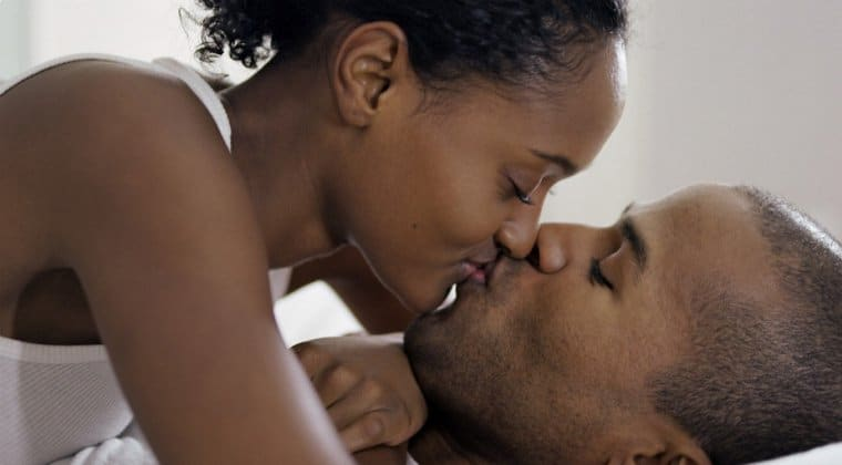 Kissing-couple-760-x-420.jpg