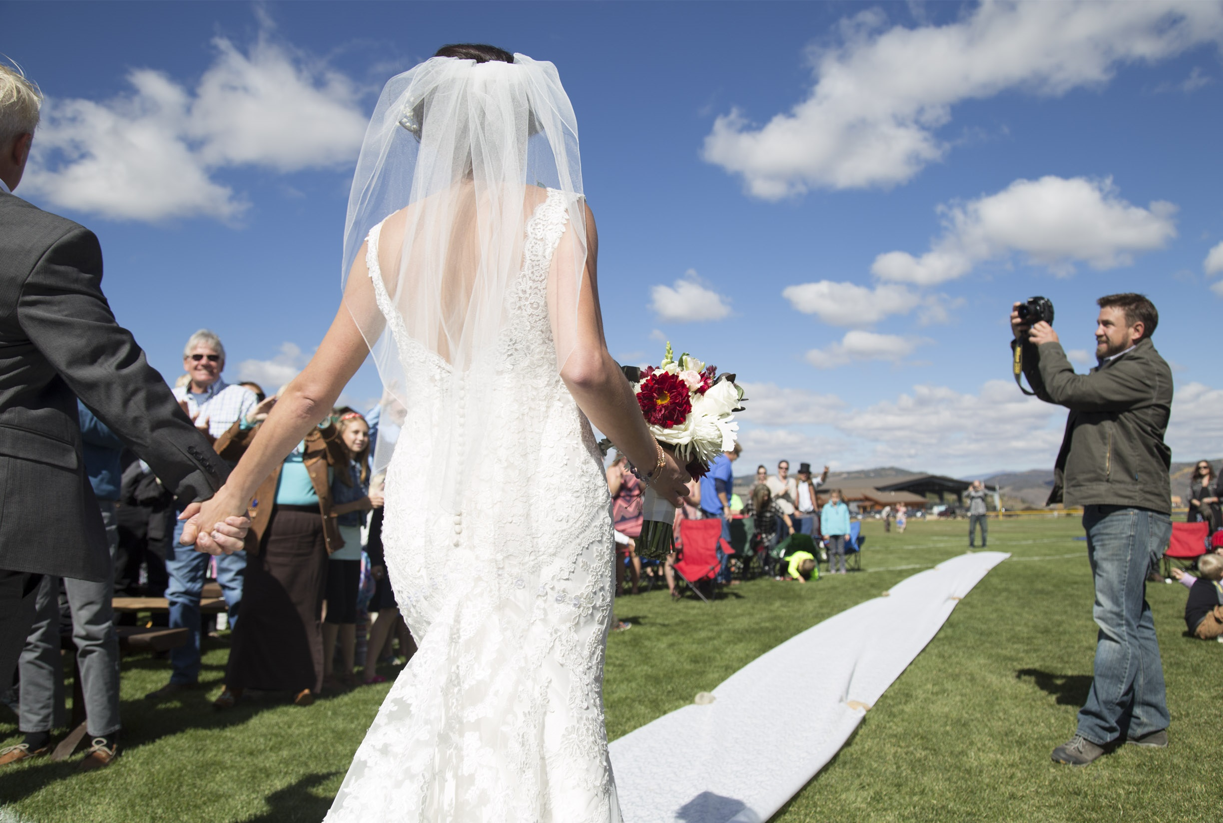 Ceremony Tip: Un-plug your wedding day - Worried your guests will ruin some of the photos with their own cameras, phones, and other electronics? Find out how to help you and your guests get the most out of the BIG DAY. Click below to read more