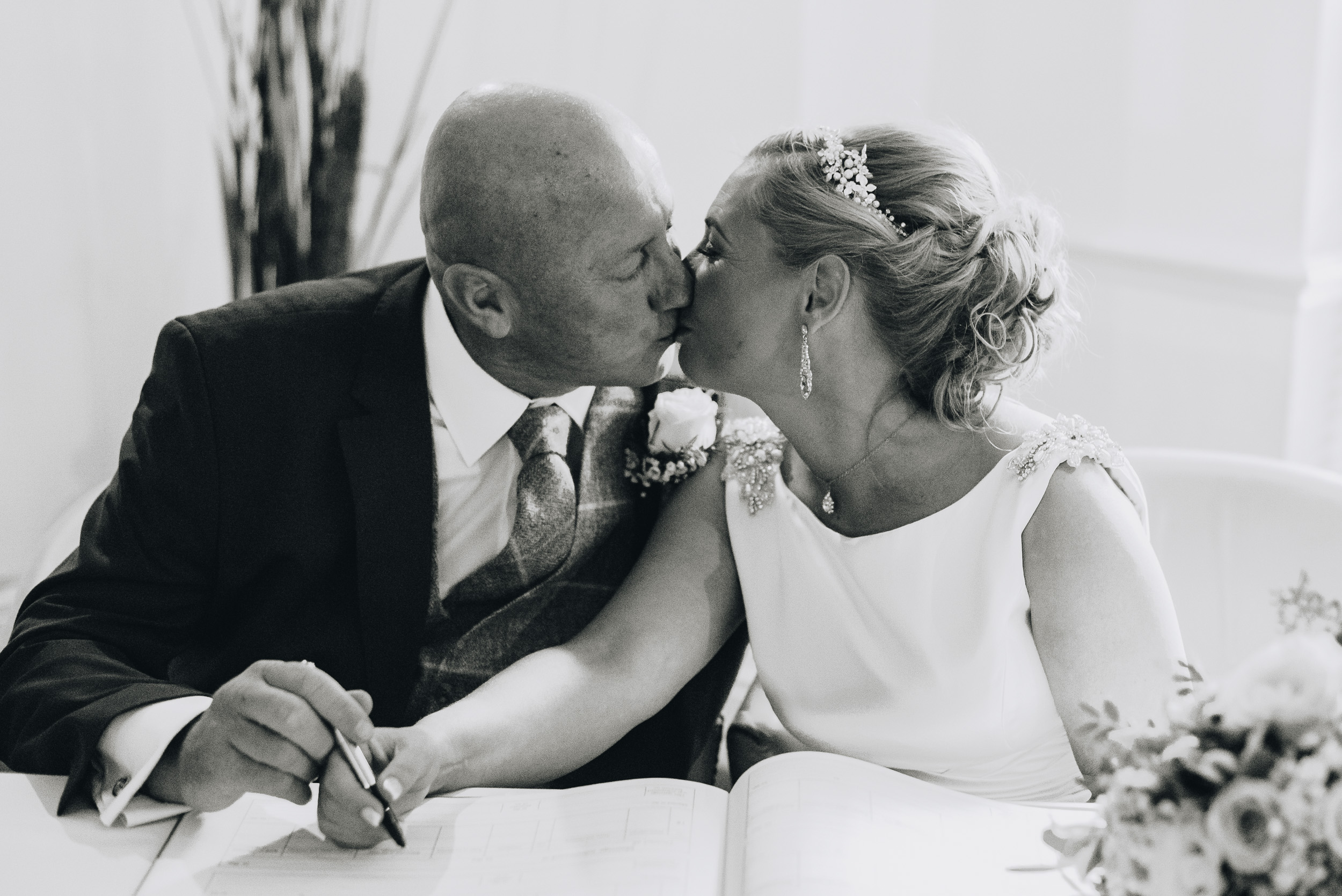 justine-rick-fairways-lodge-wedding-photography-154.jpg