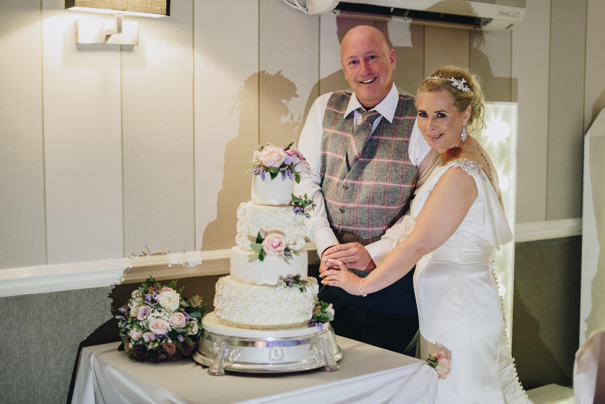 justine-rick-fairways-lodge-wedding-photography-361.jpg