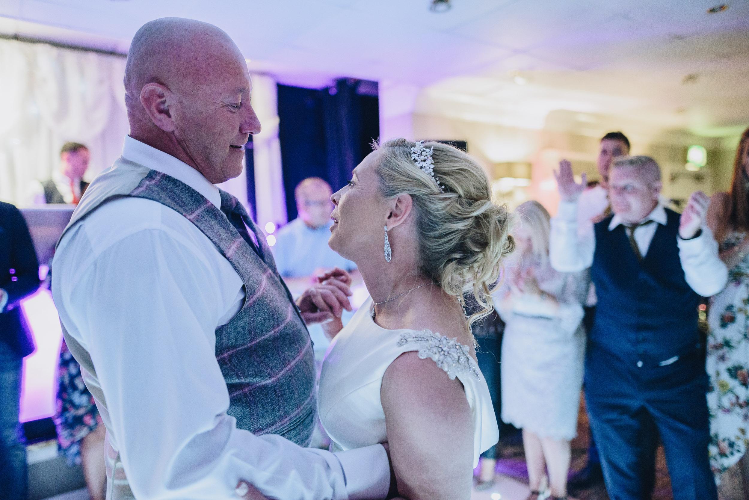 justine-rick-fairways-lodge-wedding-photography-382.jpg