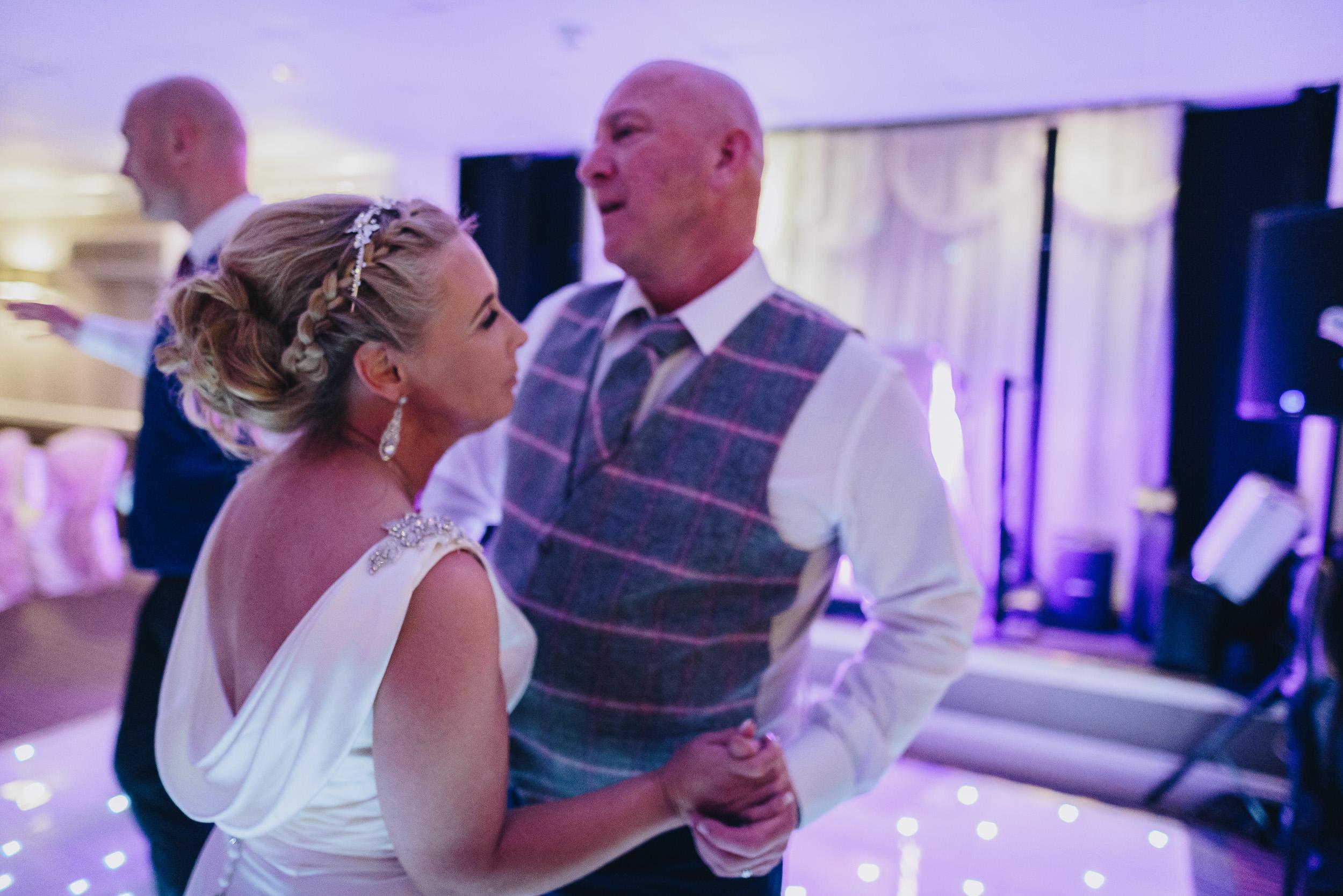 justine-rick-fairways-lodge-wedding-photography-391.jpg