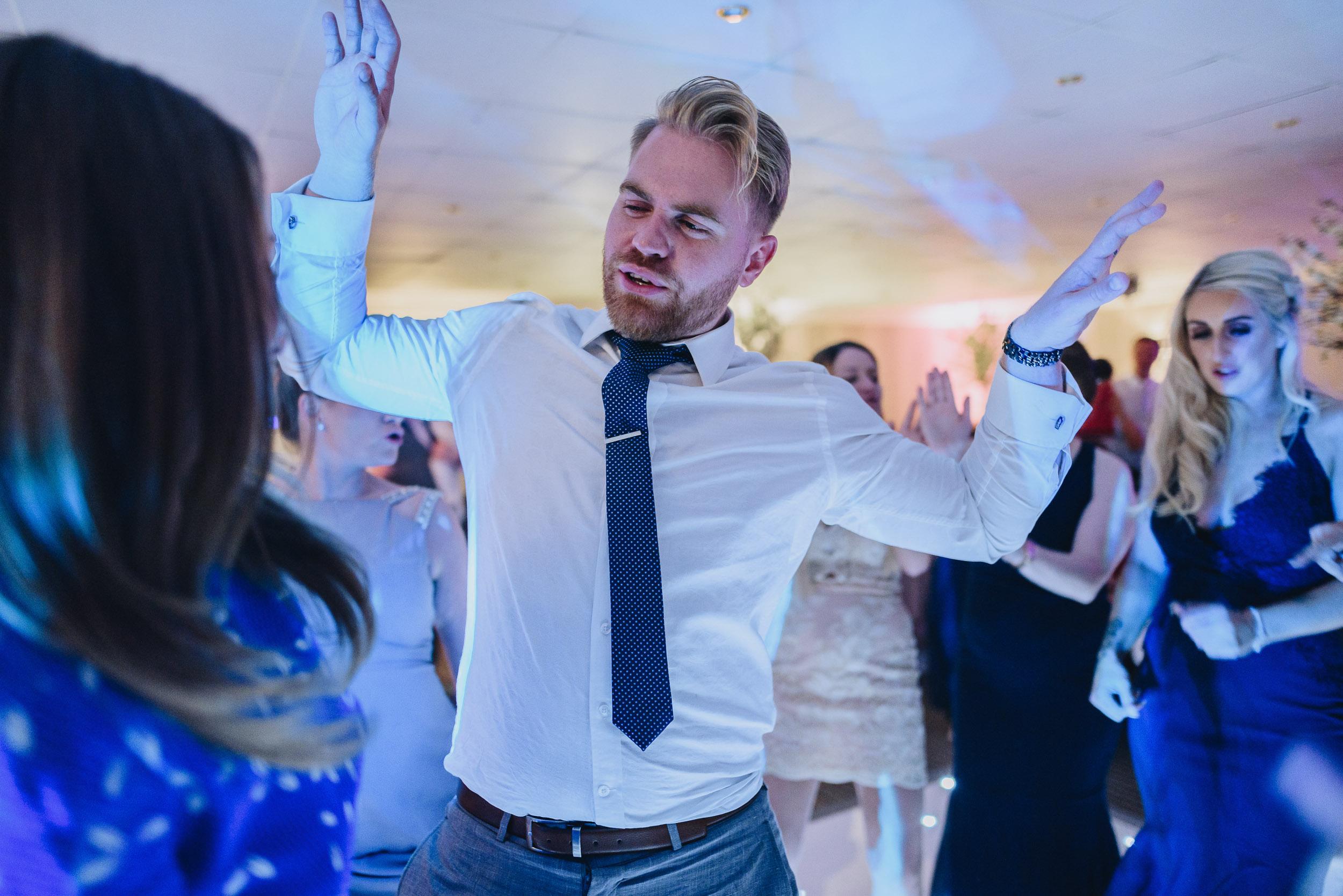 justine-rick-fairways-lodge-wedding-photography-420.jpg