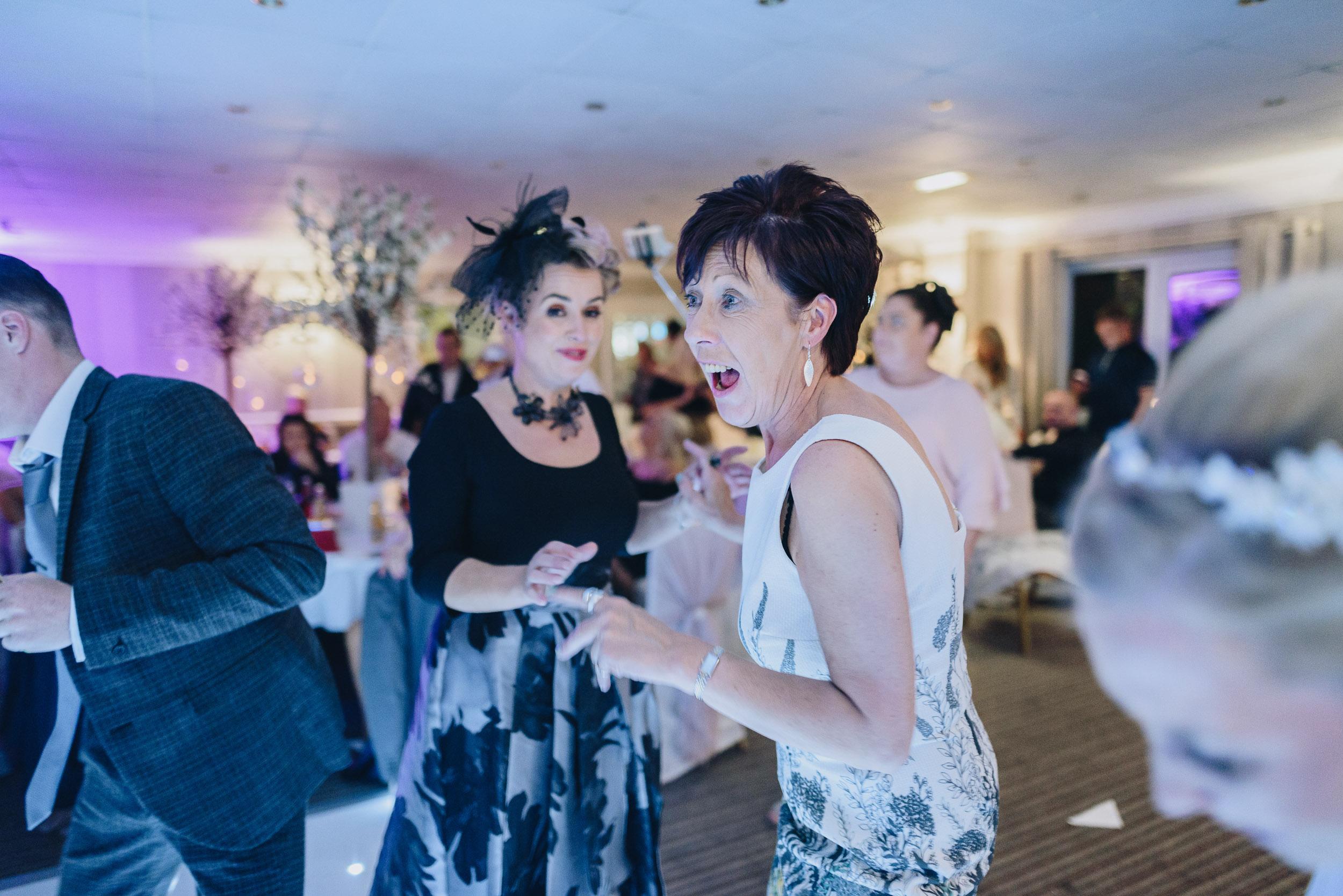 justine-rick-fairways-lodge-wedding-photography-421.jpg